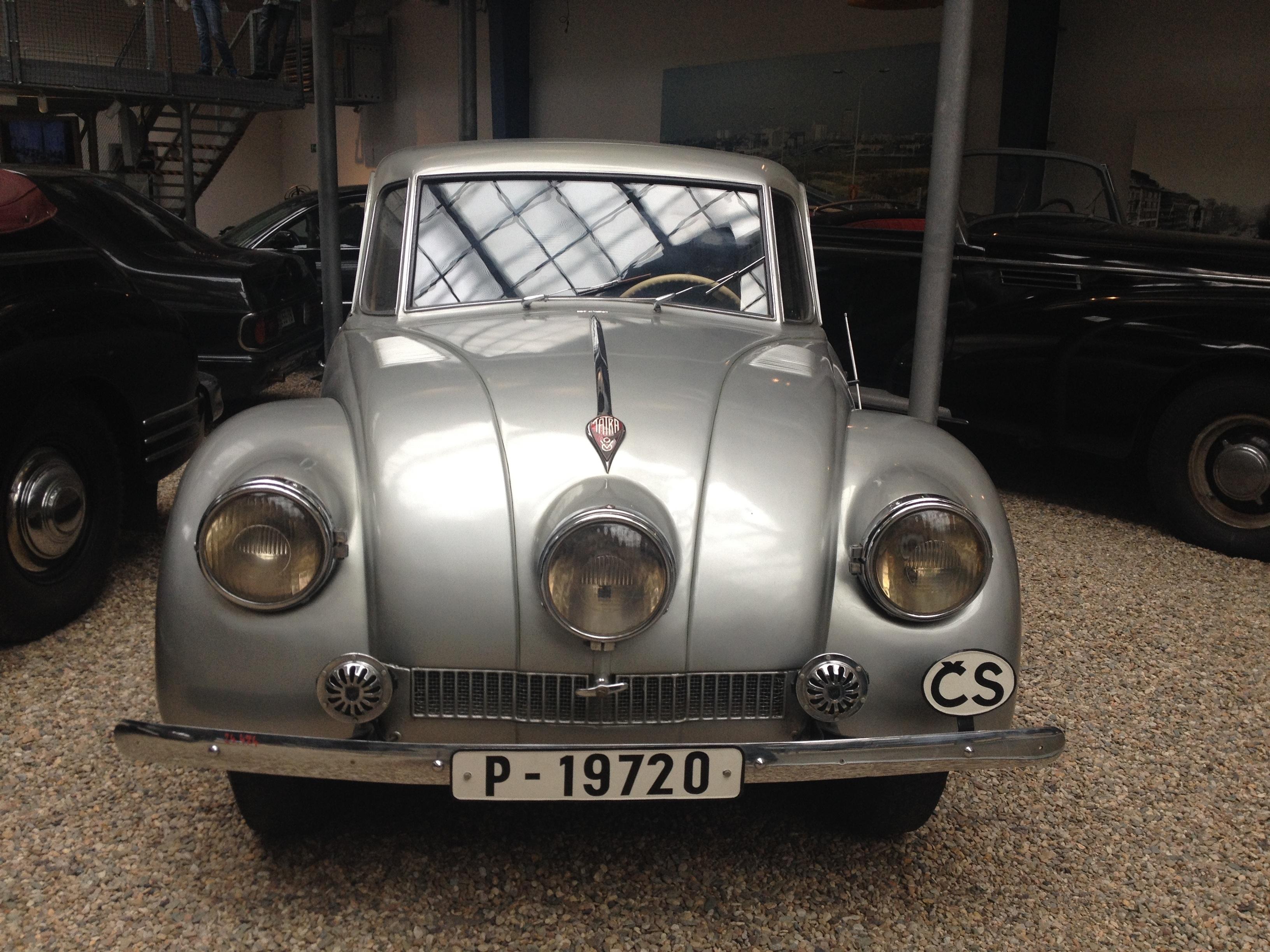 Kostenlose foto : Retro, Fahrzeug, Museum, Prag, altes Auto ...
