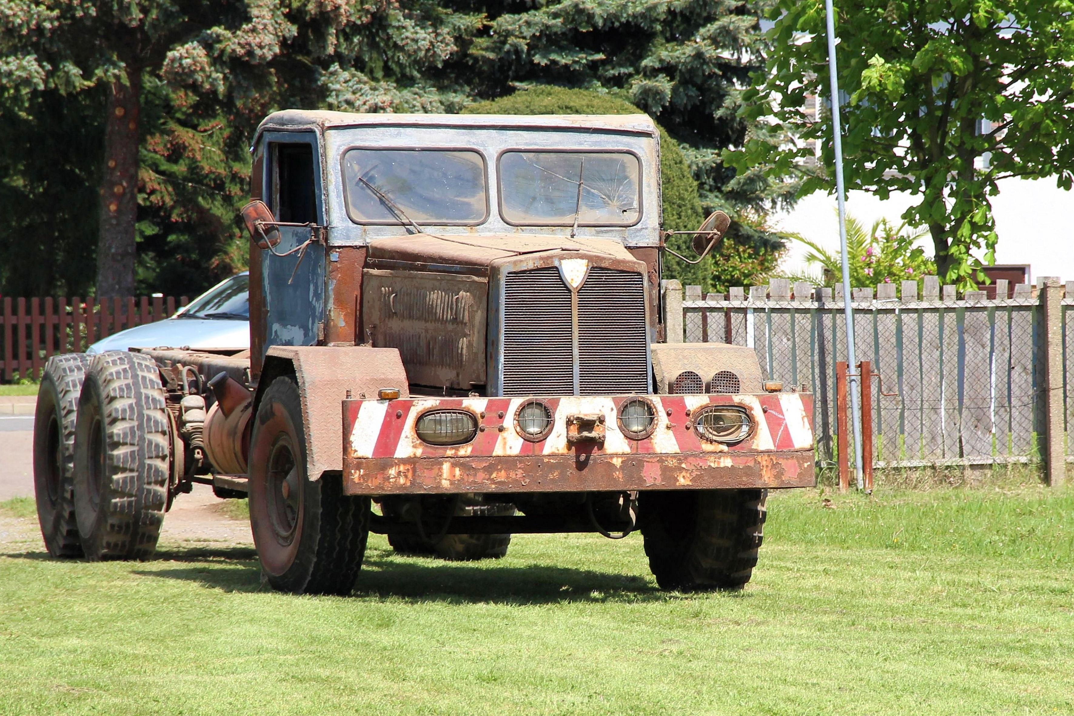 images gratuites vieux jeep un camion v hicule voiture ancienne allemagne historiquement. Black Bedroom Furniture Sets. Home Design Ideas