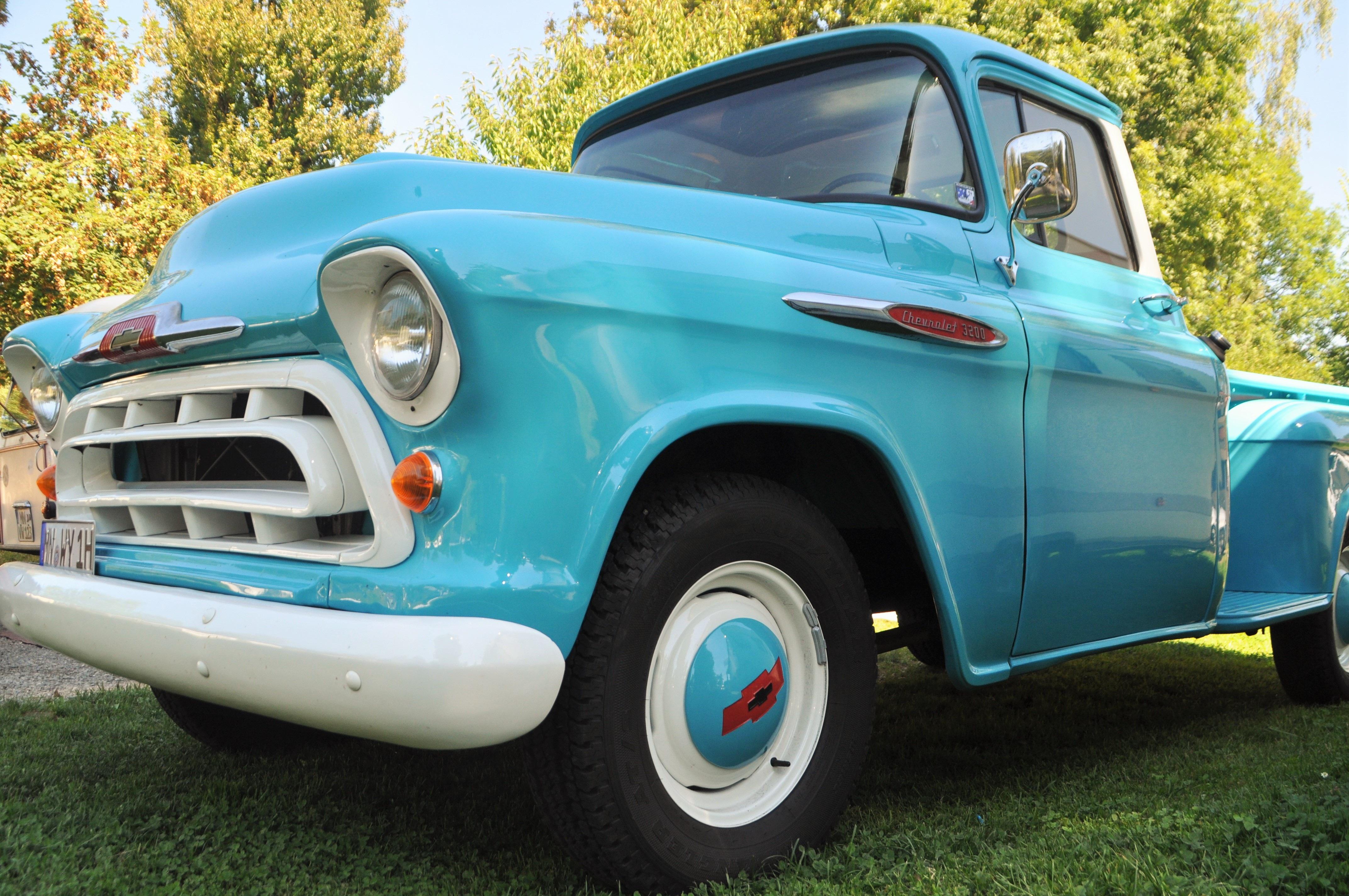 images gratuites vieux un camion v hicule auto nostalgie bleu voiture classique voiture. Black Bedroom Furniture Sets. Home Design Ideas