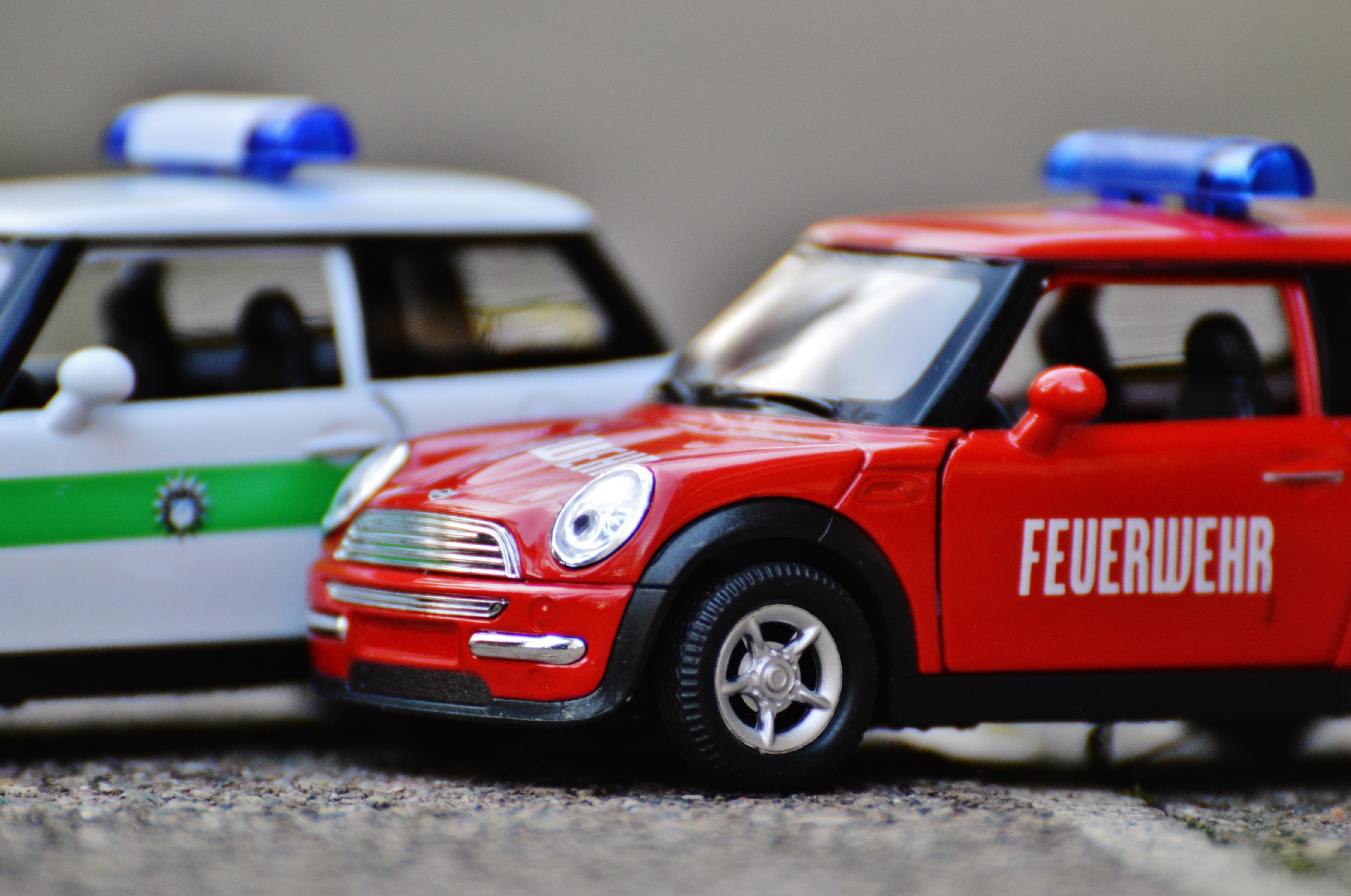 images gratuites rouge feu auto camion de pompier v hicule moteur mini cooper jouets. Black Bedroom Furniture Sets. Home Design Ideas