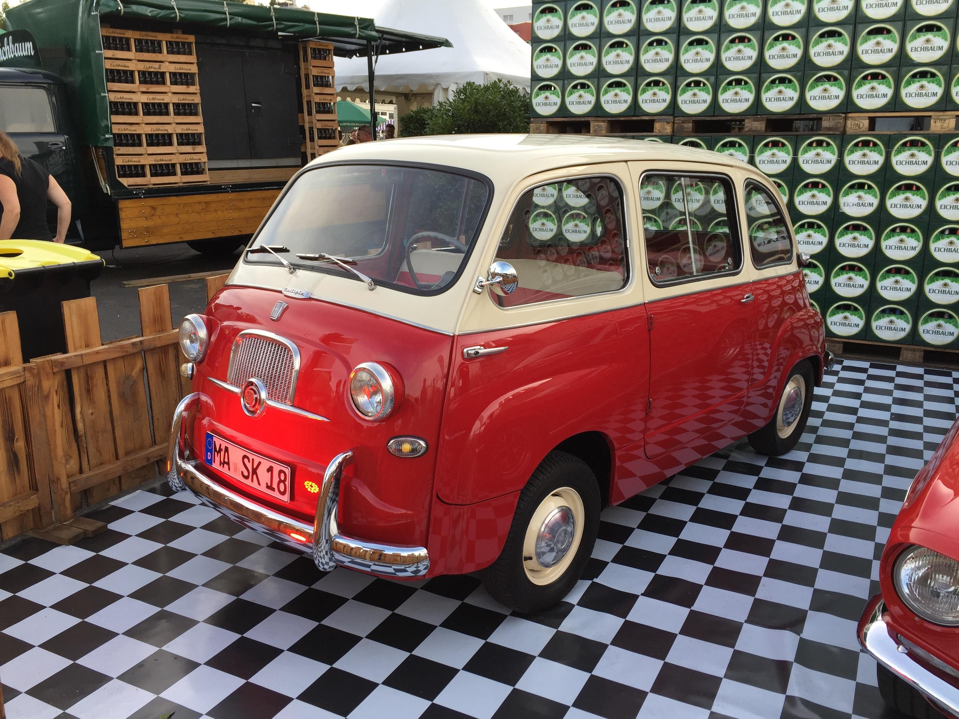 images gratuites rouge italie v hicule moteur voiture ancienne fiat 500 vieil homme. Black Bedroom Furniture Sets. Home Design Ideas