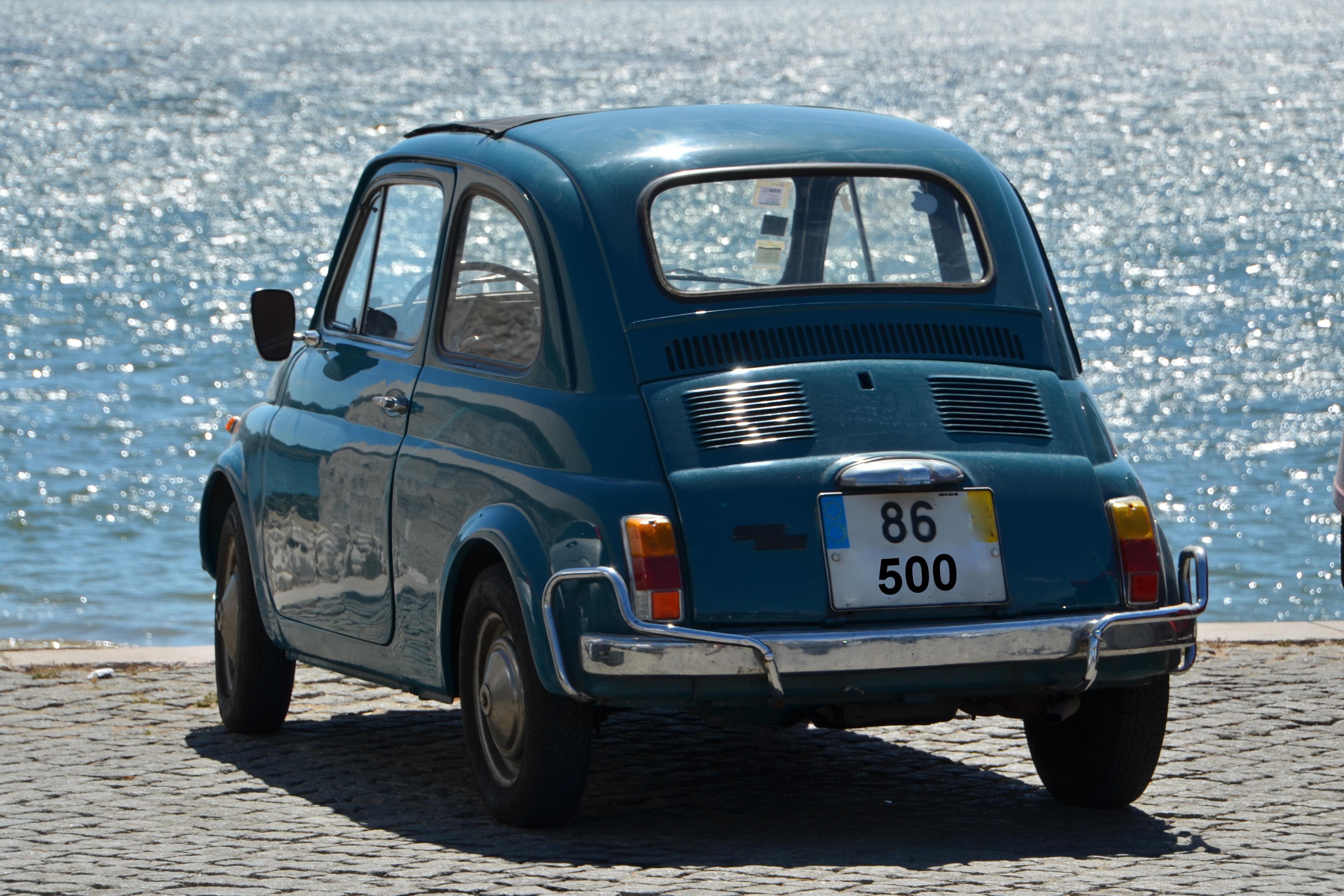 immagini belle retr vecchio veicolo italia nostalgia blu vecchia macchina settore. Black Bedroom Furniture Sets. Home Design Ideas