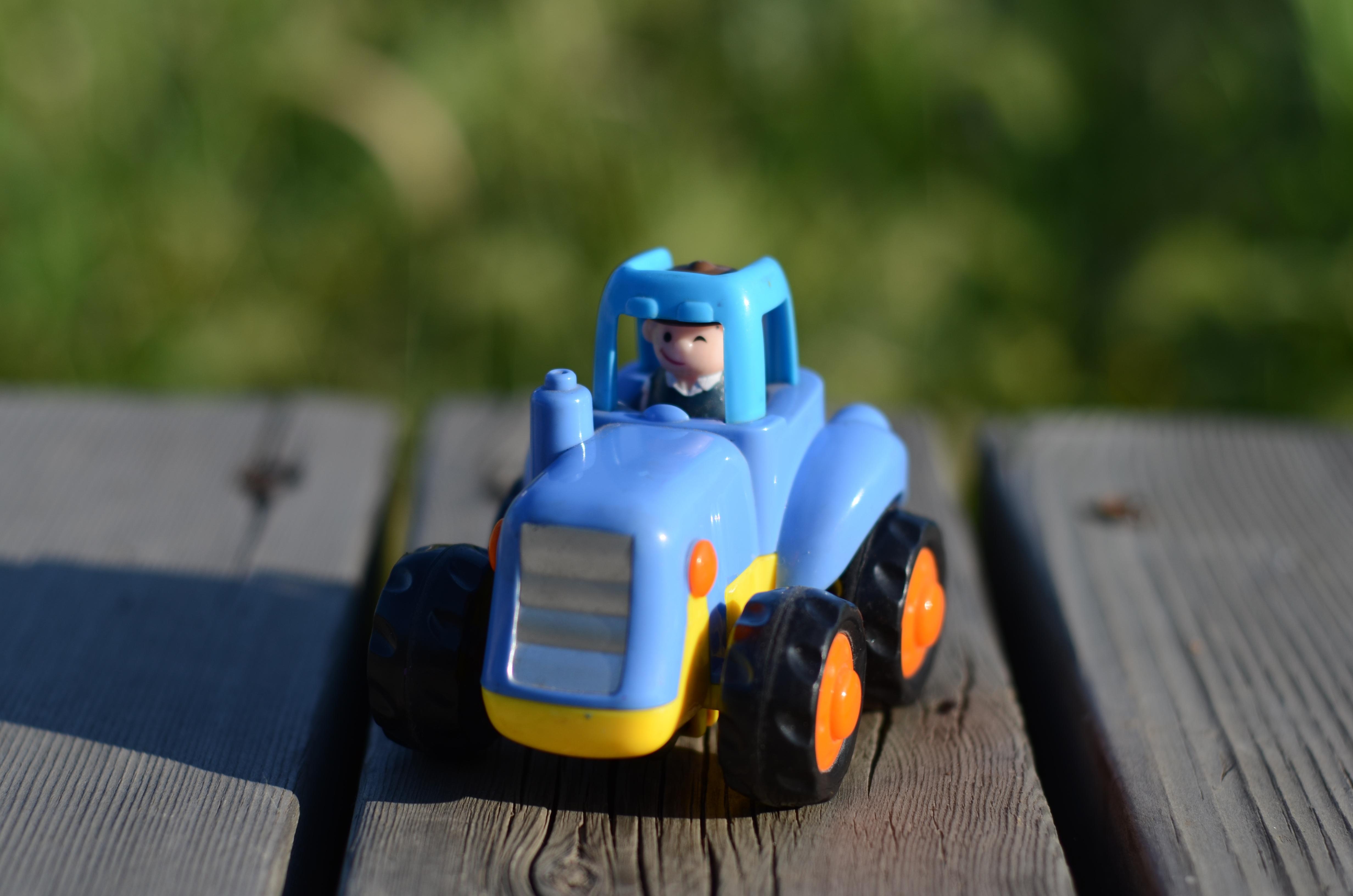 Gambar Traktor Plastik Anak Laki Laki Kendaraan Sepeda Motor
