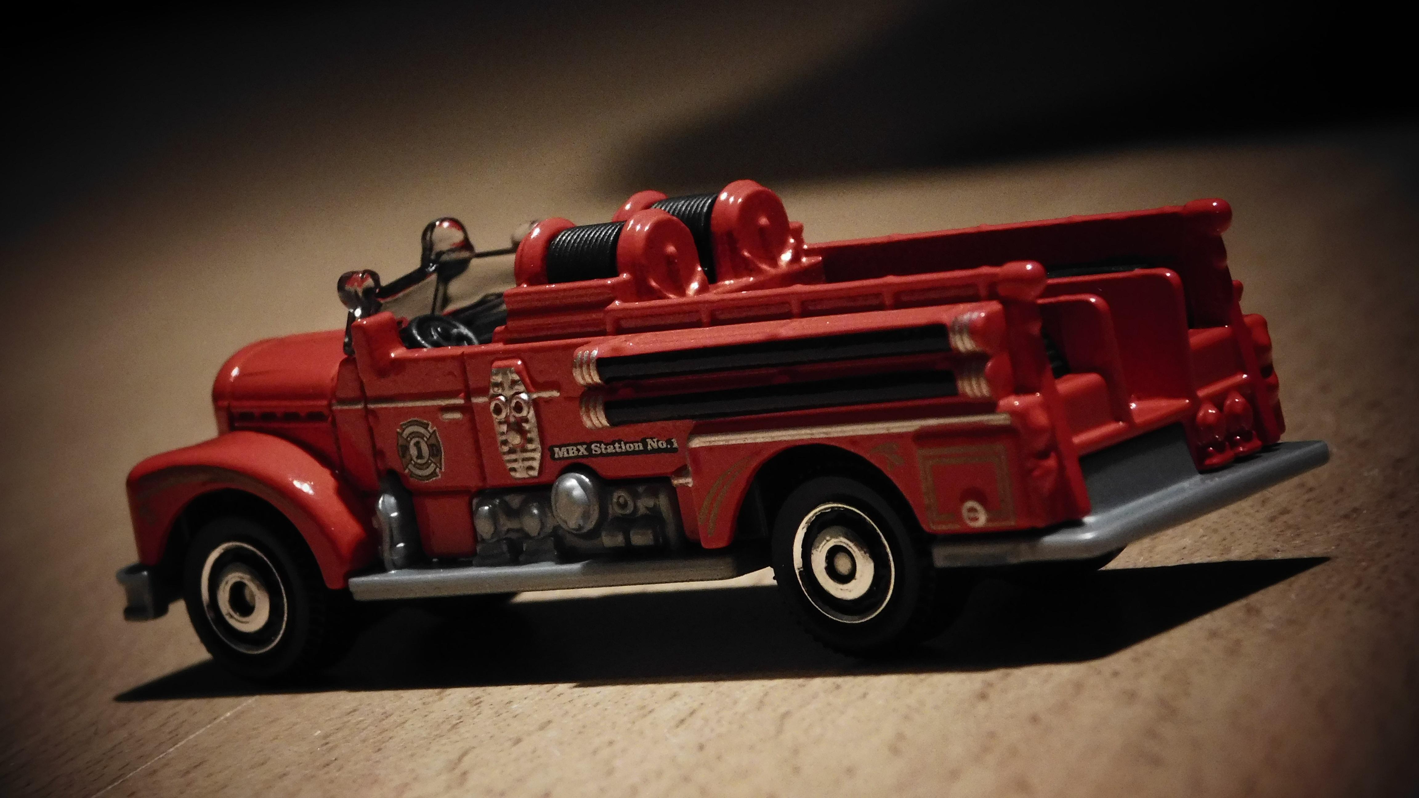 Fotoğraf Kamyon Kırmızı Araç Itfaiye Aracı Itfaiye Itfaiye