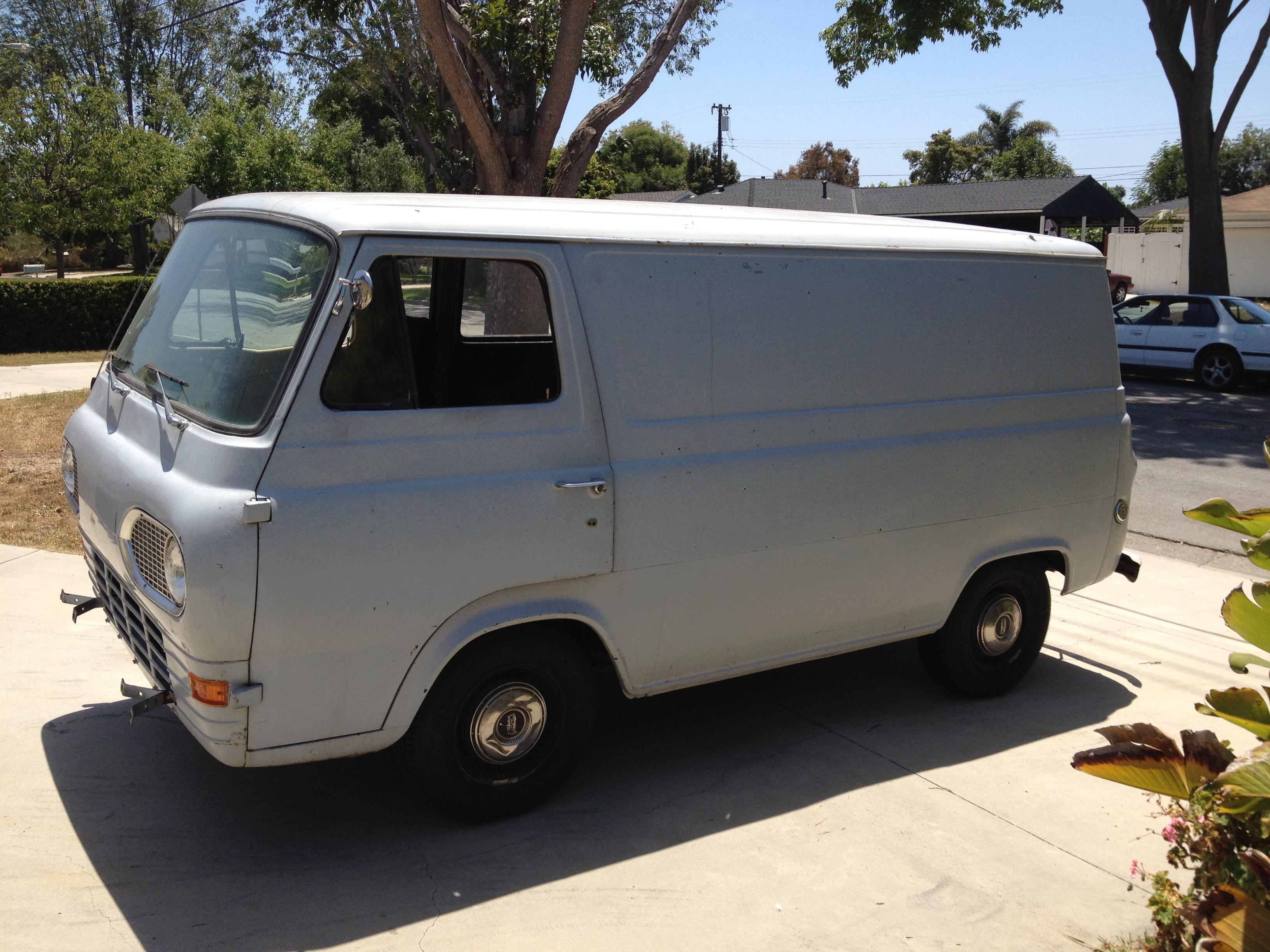 31b9e39a92 car van vehicle ford minibus econoline commercial vehicle land vehicle white  van automobile make microvan