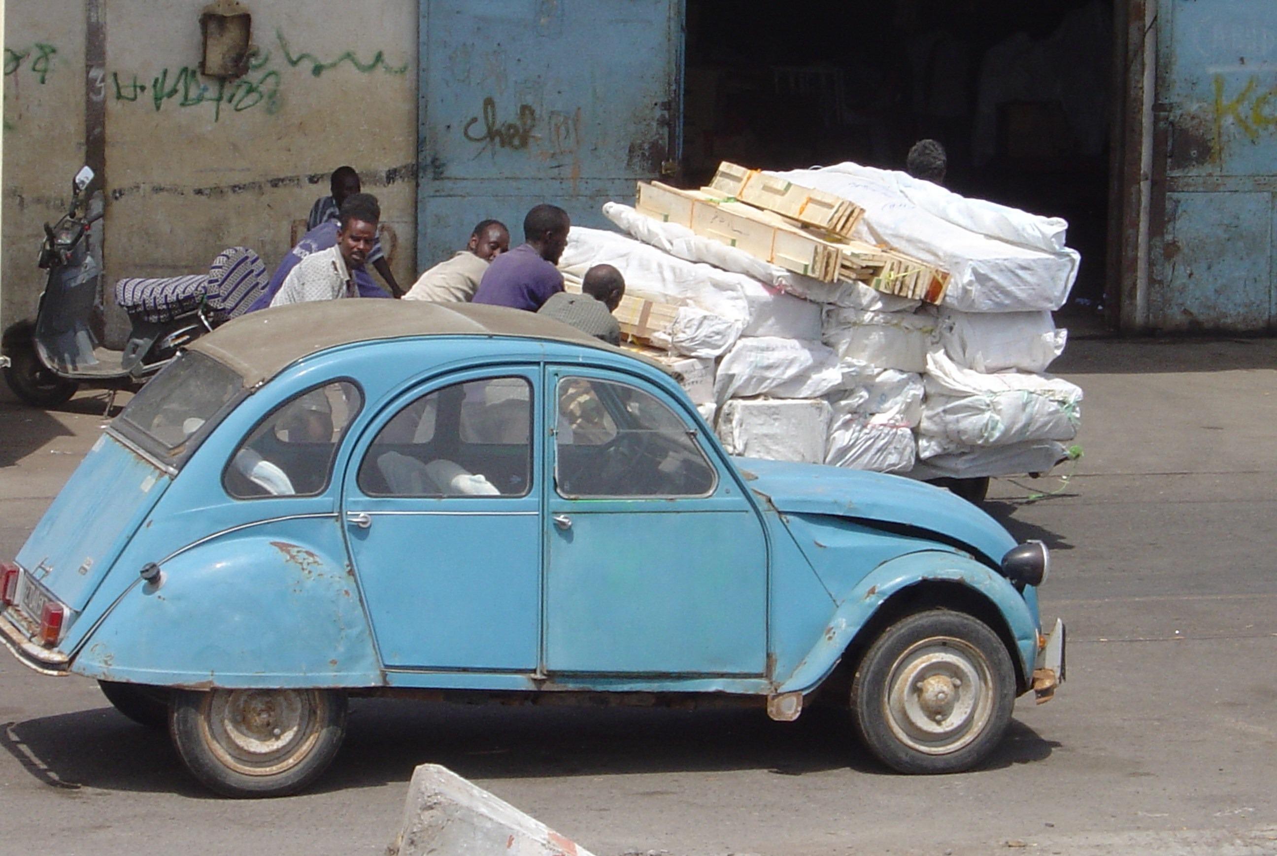 images gratuites v hicule afrique bleu voiture. Black Bedroom Furniture Sets. Home Design Ideas
