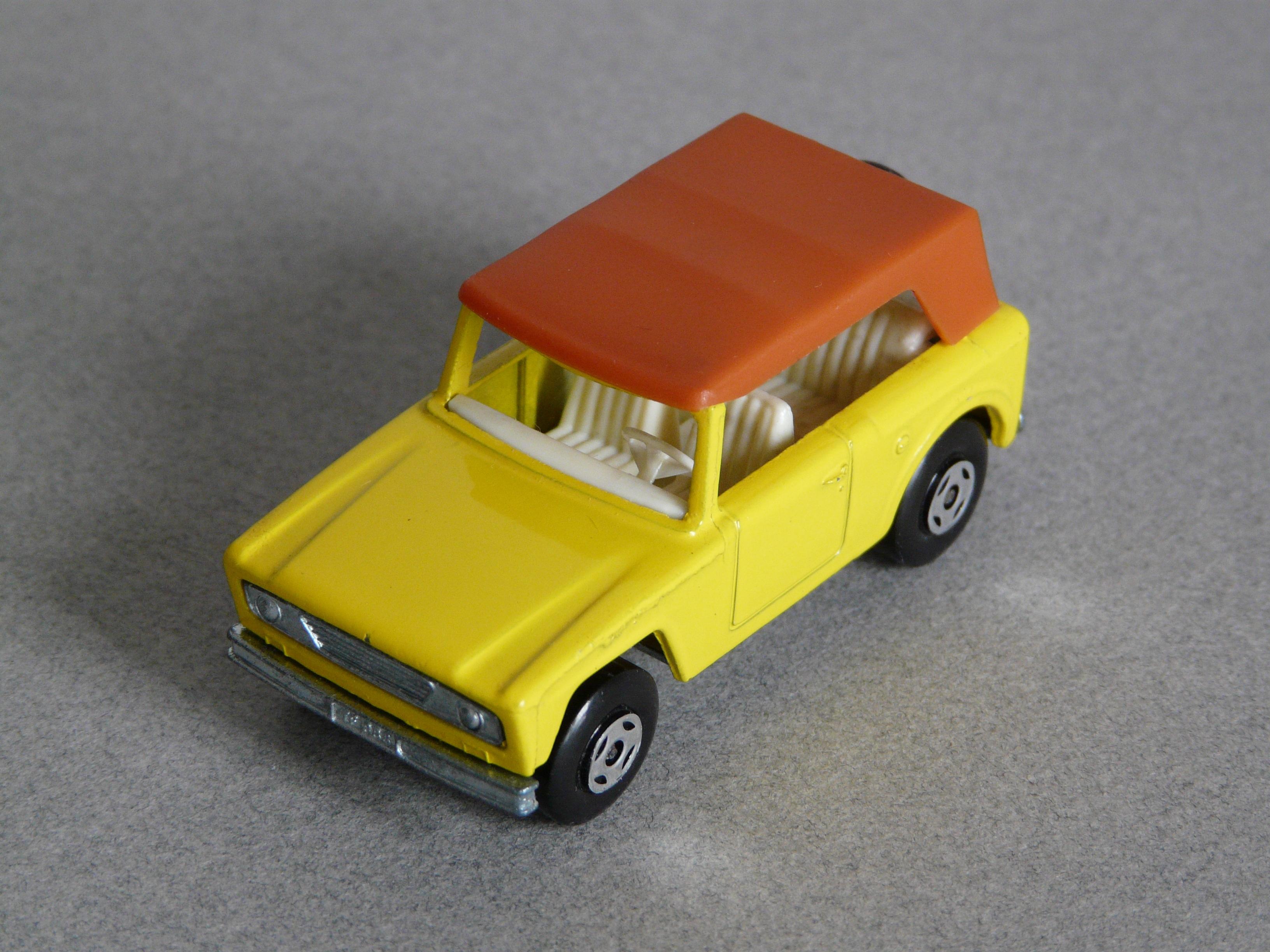 images gratuites v hicule jaune jouet mini cooper voiture mod le v hicule terrestre. Black Bedroom Furniture Sets. Home Design Ideas