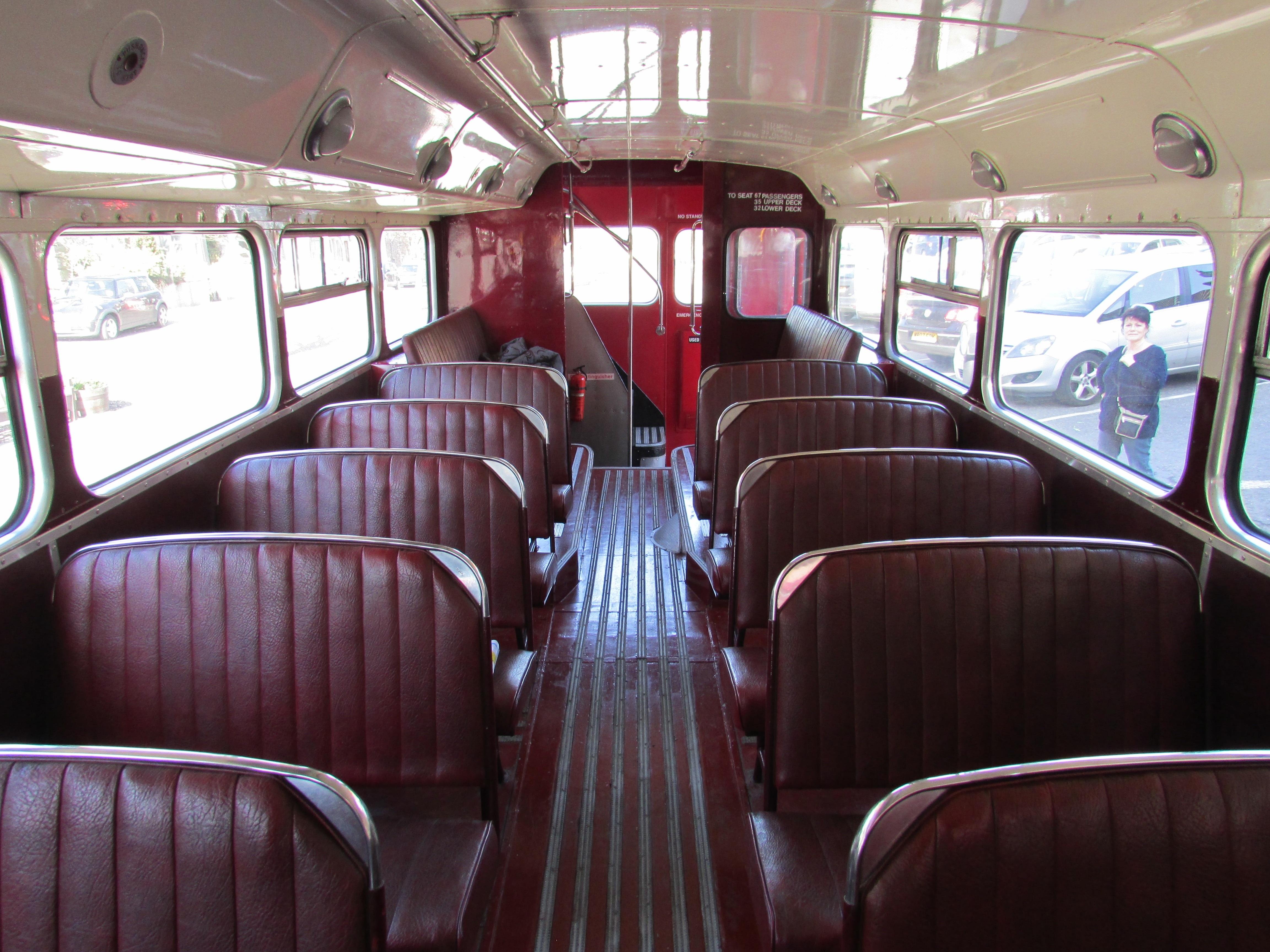 Gambar Vintage Retro Tua Angkutan Mengangkut Perusahaan