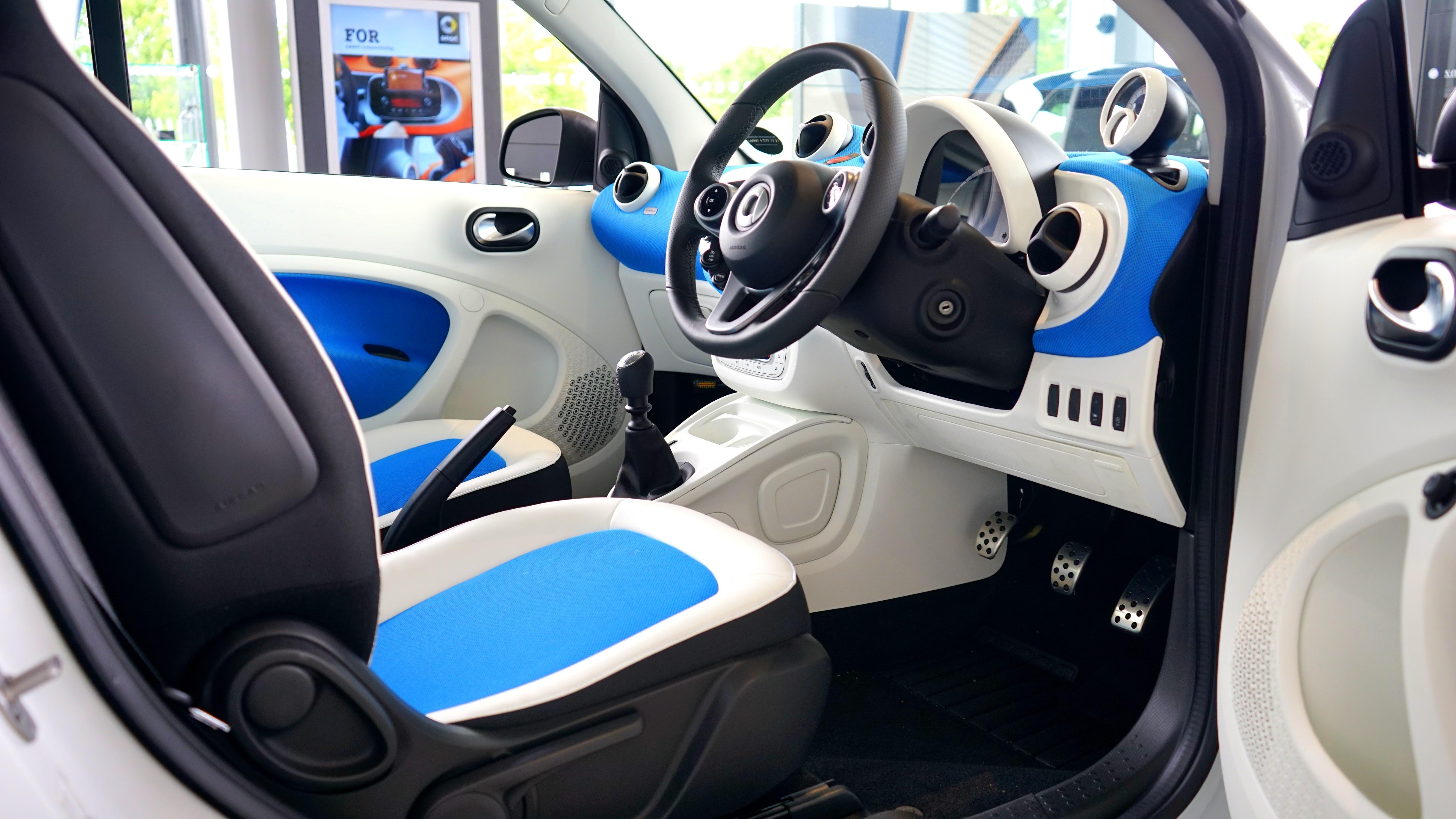 Gambar Roda Pedalaman Mengangkut Peralatan Biru Setir Mobil Dash Board Panggil Kokpit Interior Fiat 500 Kemewahan Desain Pelek Kontrol Navigasi Gaya City Car Dashboard Kendaraan Darat