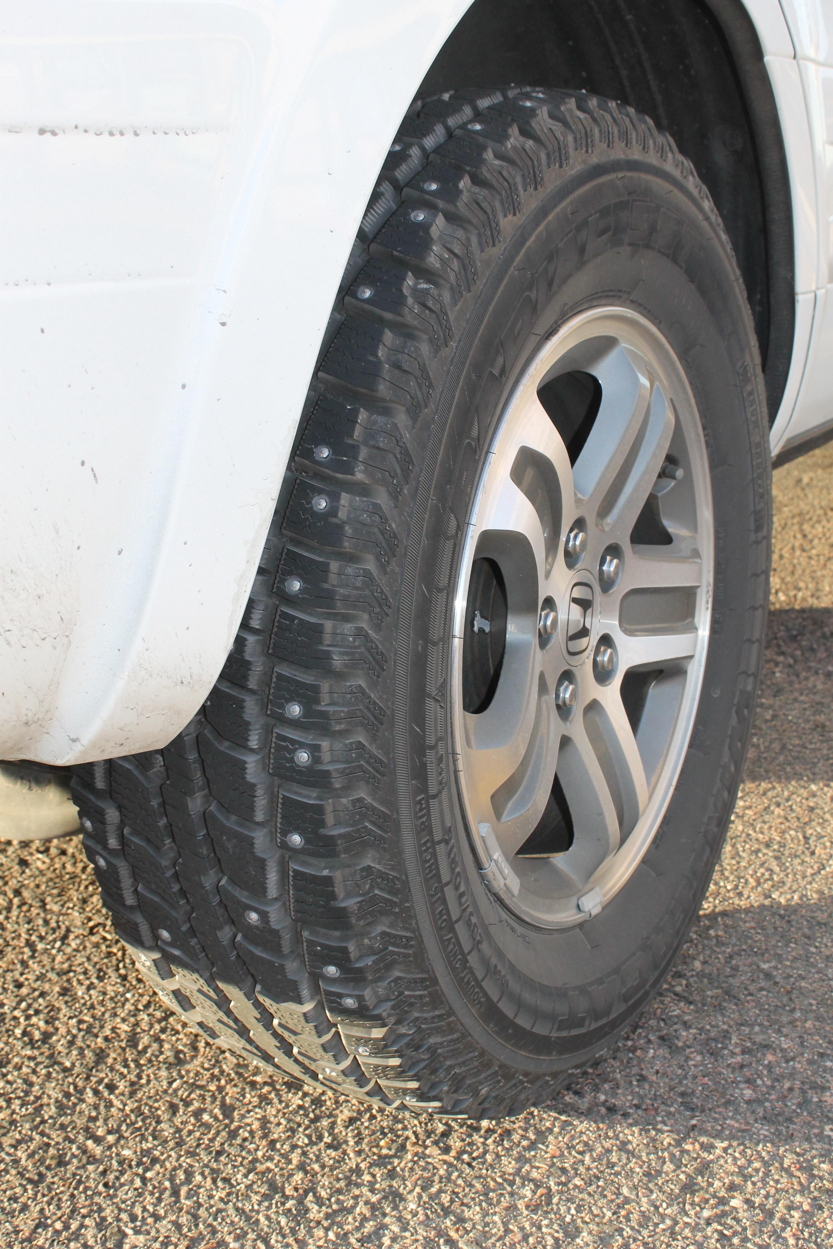 images gratuites voiture roue voyage transport un camion v hicule parlait pneu pare. Black Bedroom Furniture Sets. Home Design Ideas