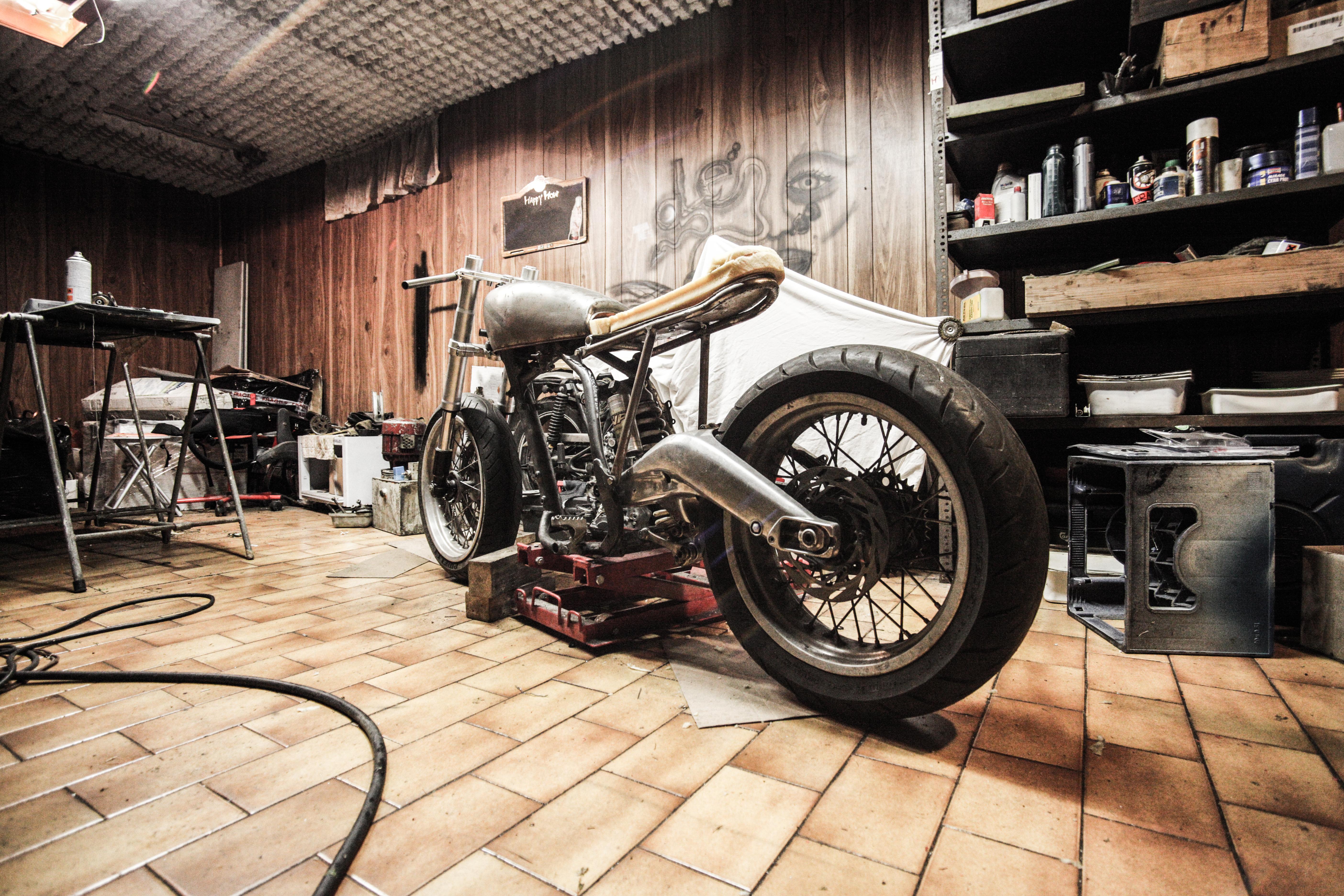 Car Wheel Bicycle Workshop Vehicle Motorcycle Frame Garage Motorbike Making Chopper Mechanic Land Repairing Automobile