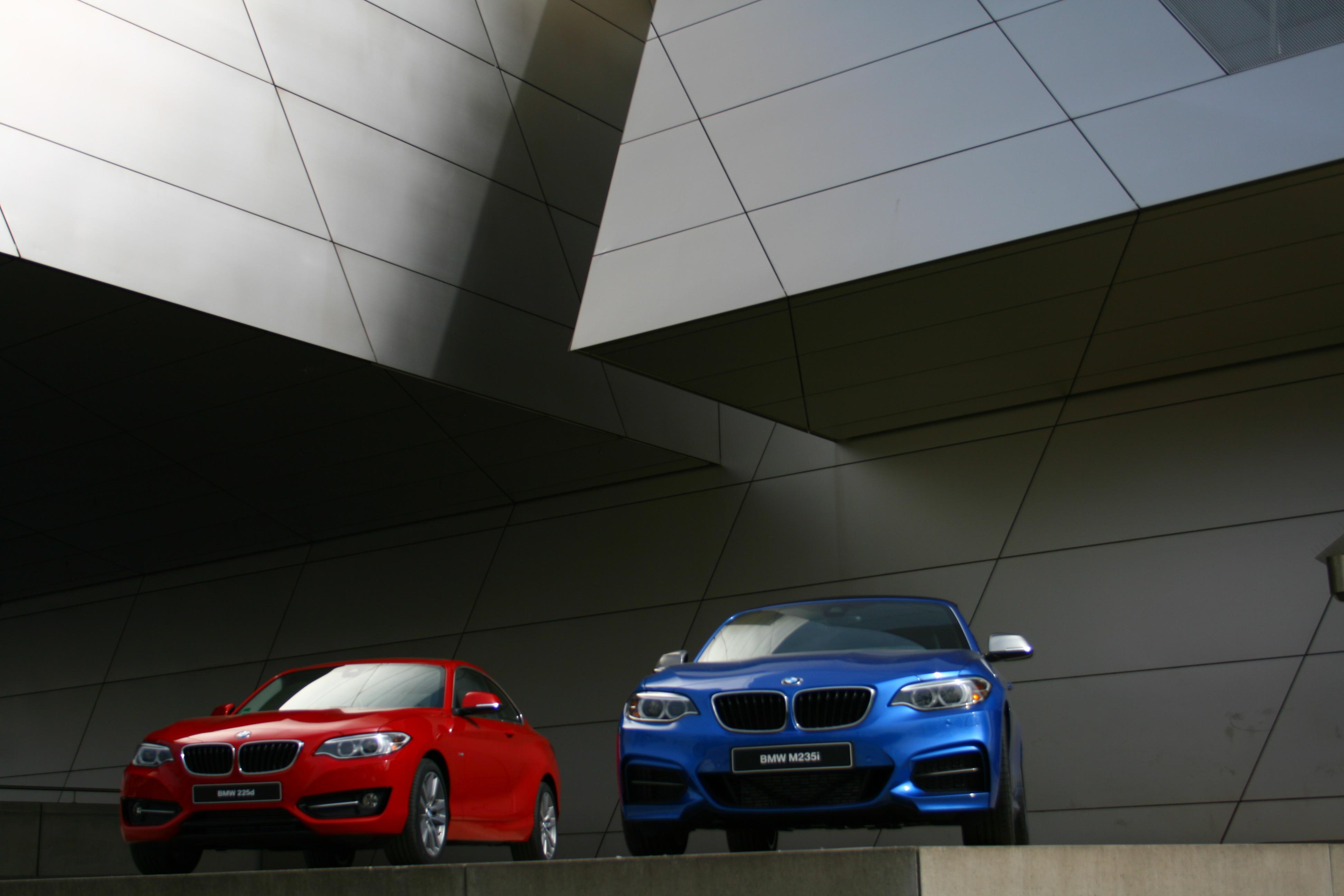 58 Gambar Mobil Sport Dari Samping Gratis