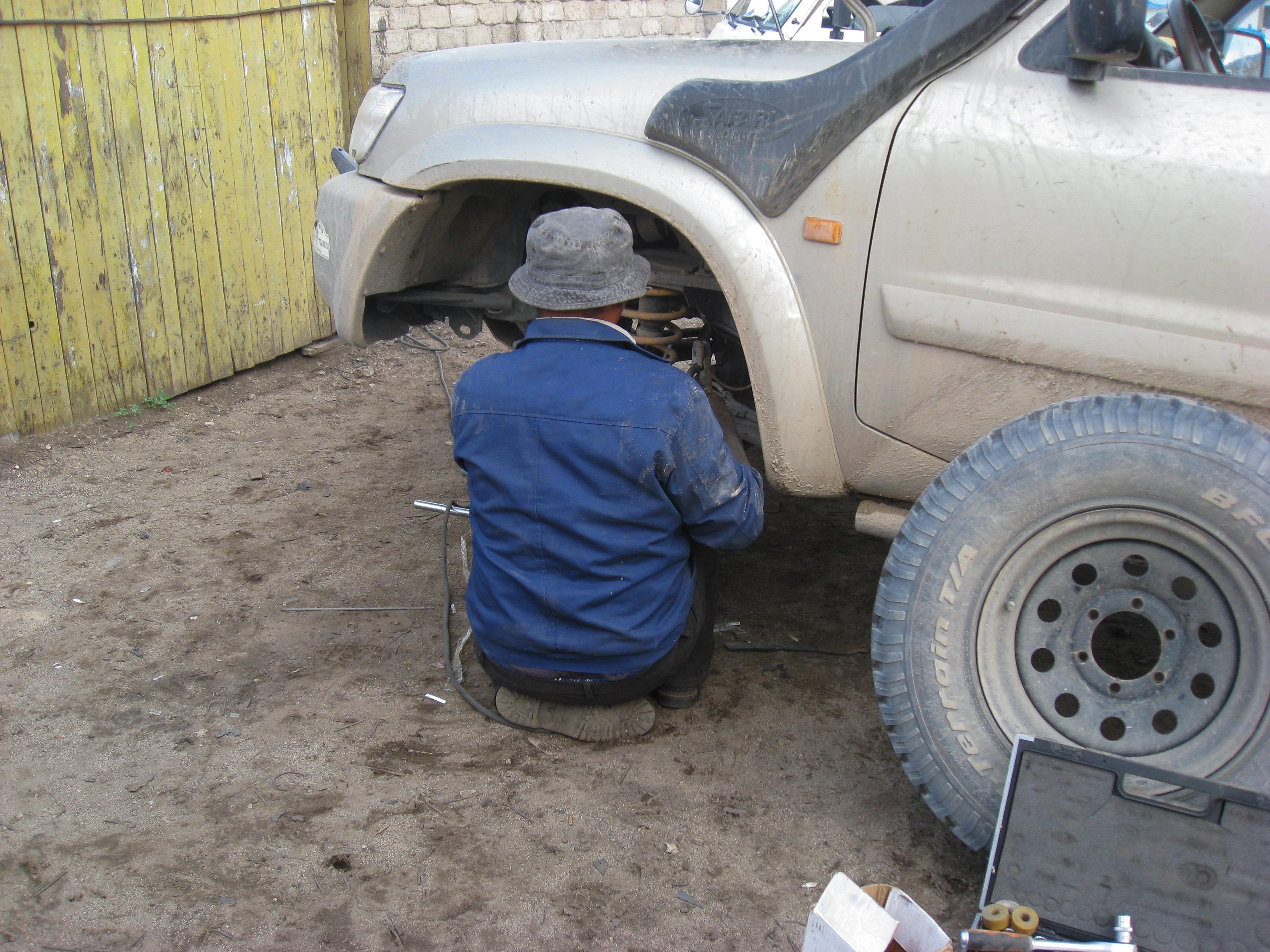 Free Images : Wheel, Jeep, Garage, Bumper, Rim, Mongolia, Car Breakdown,  City Car, Off Road Vehicle, Sport Utility Vehicle, Automobile Make, ...