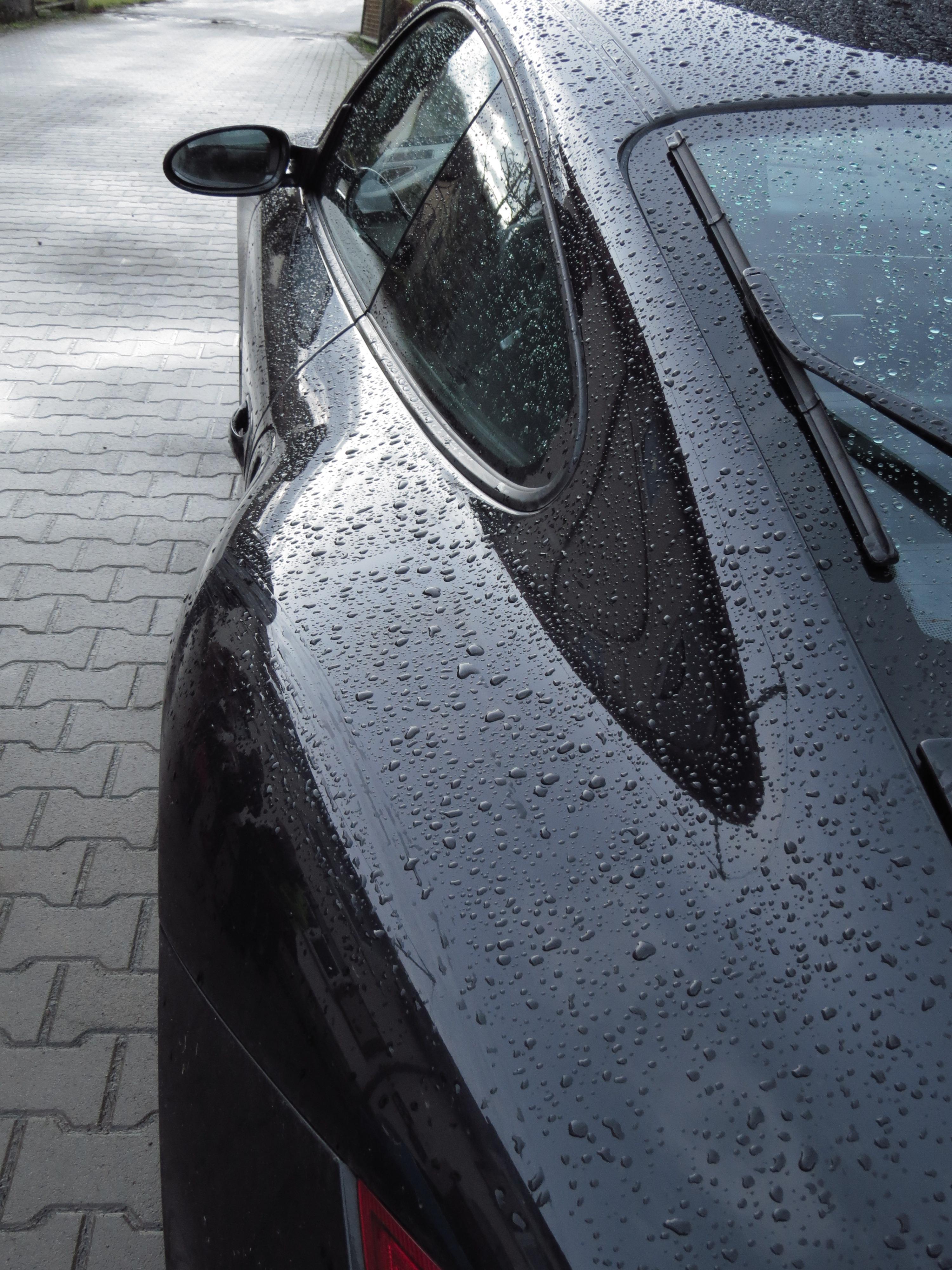 Fotoğraf Araba Tekerlek Pencere Bardak Yağmur Damlası ıslak