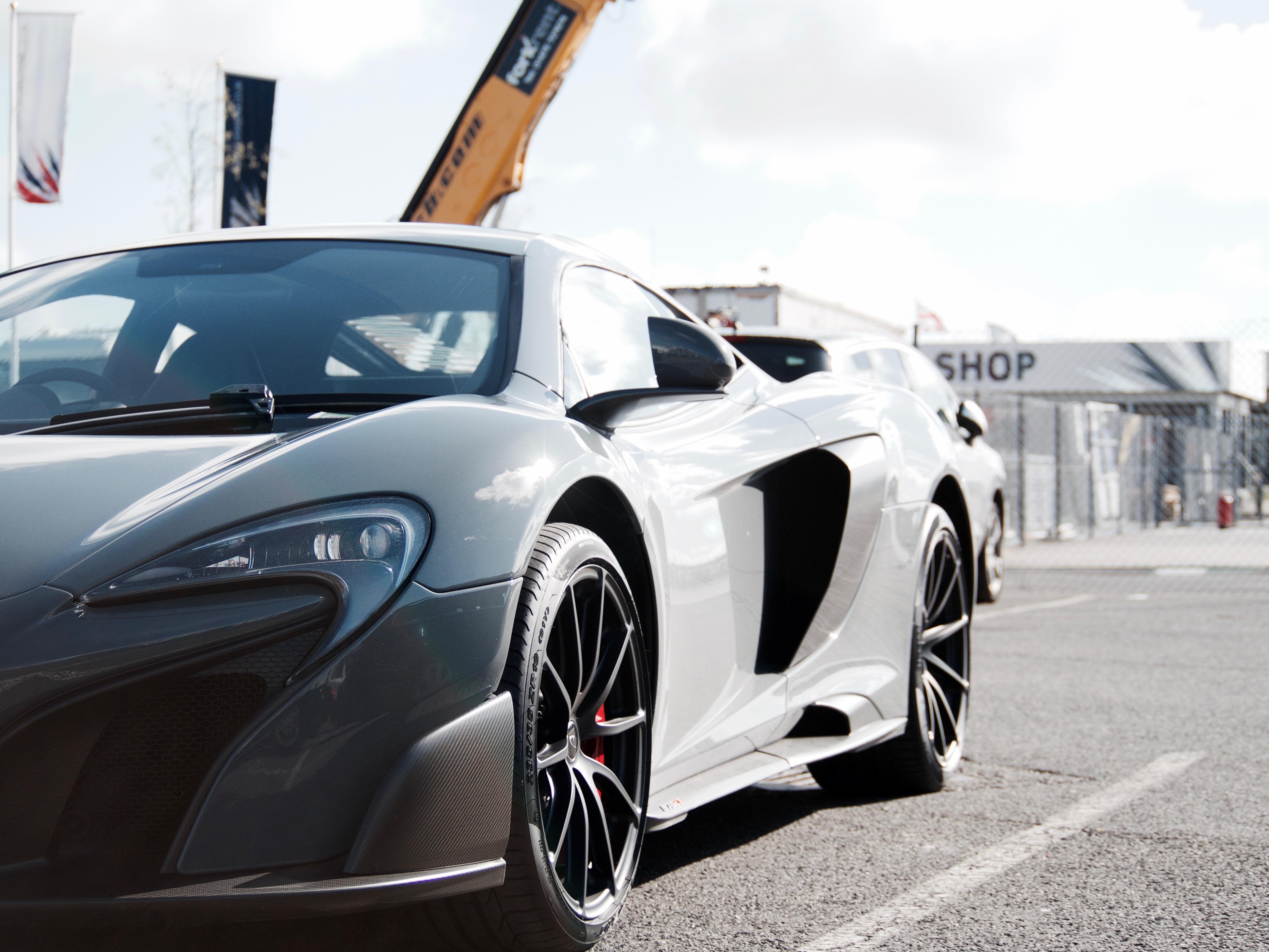 Free wheel sports car supercar land vehicle automobile