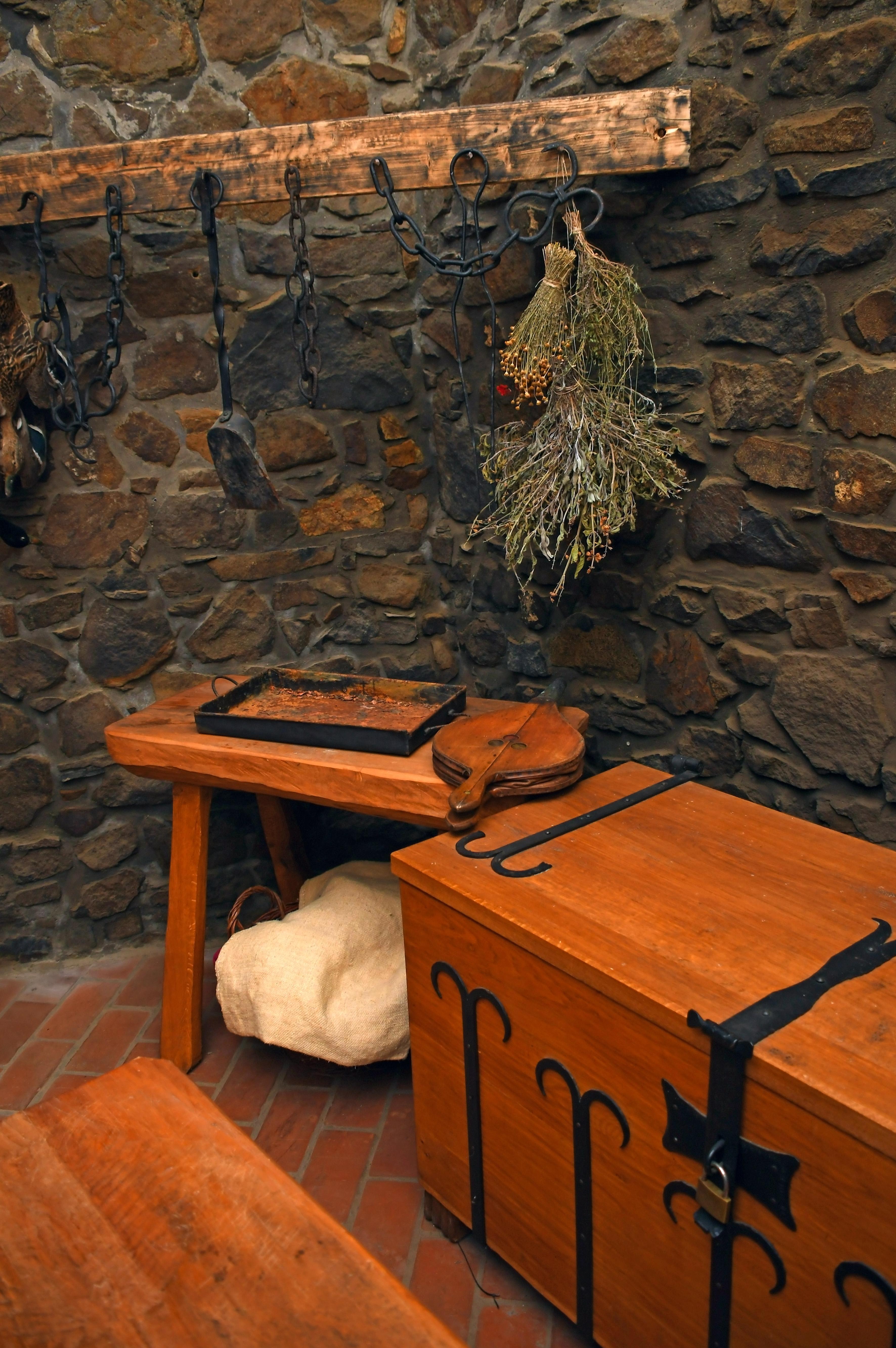Case Tavolo Legno Cucina Antico.Immagini Belle Castello Interno Medievale Vecchio