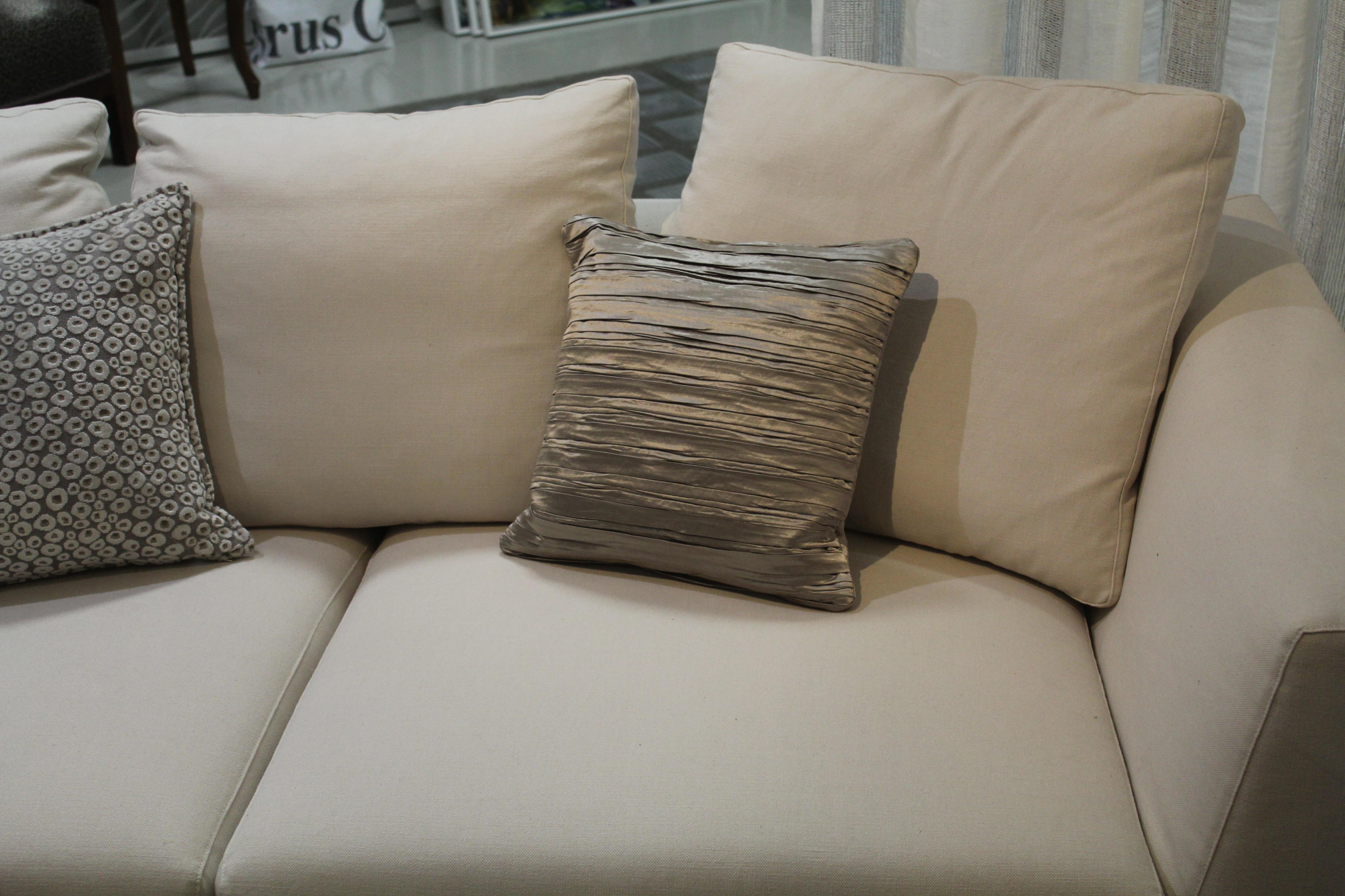 images gratuites chaise salon meubles chambre canap en tissu coussin textile. Black Bedroom Furniture Sets. Home Design Ideas