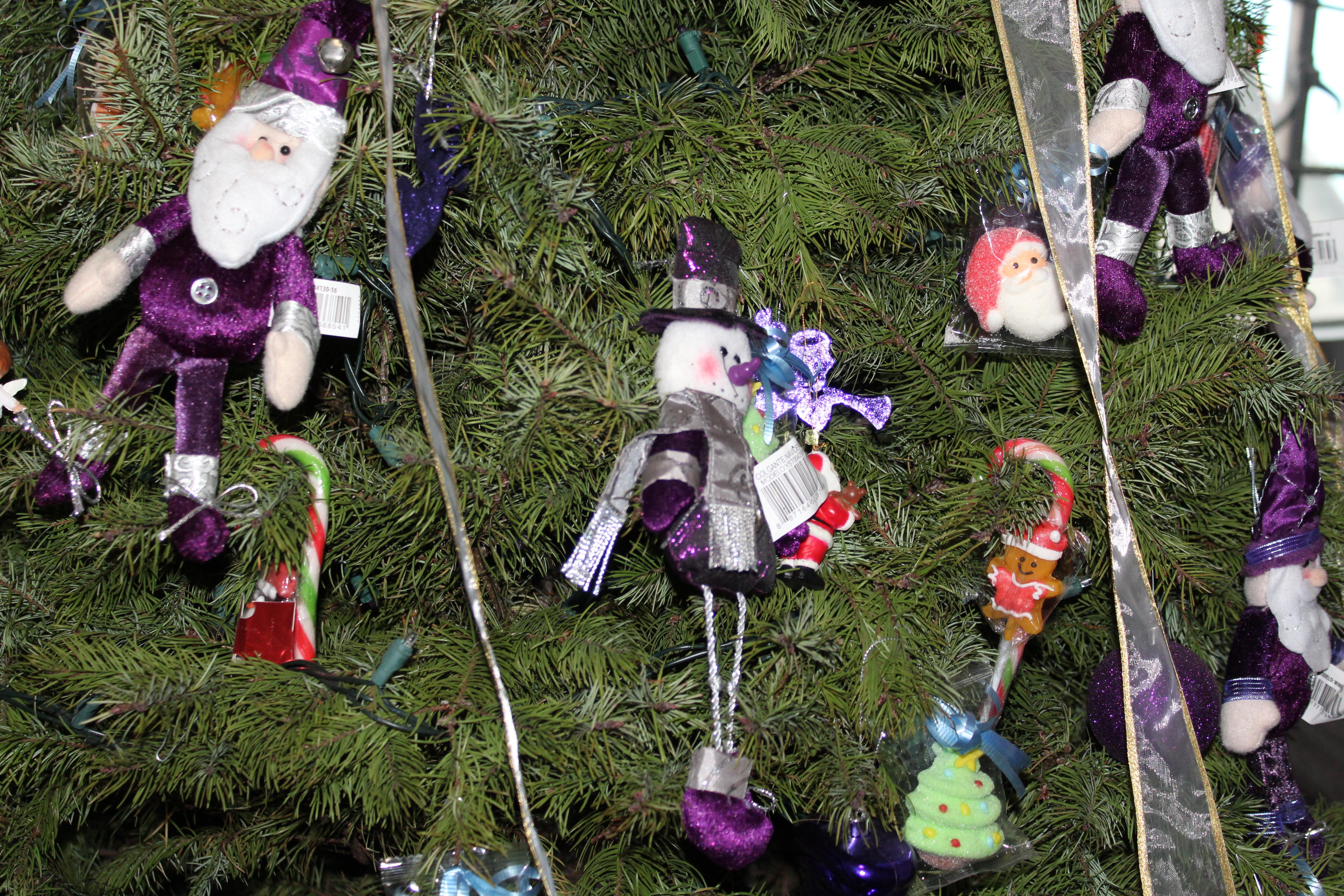 Images Gratuites : Noël, Pelouse, plante, arbre, nain de jardin ...