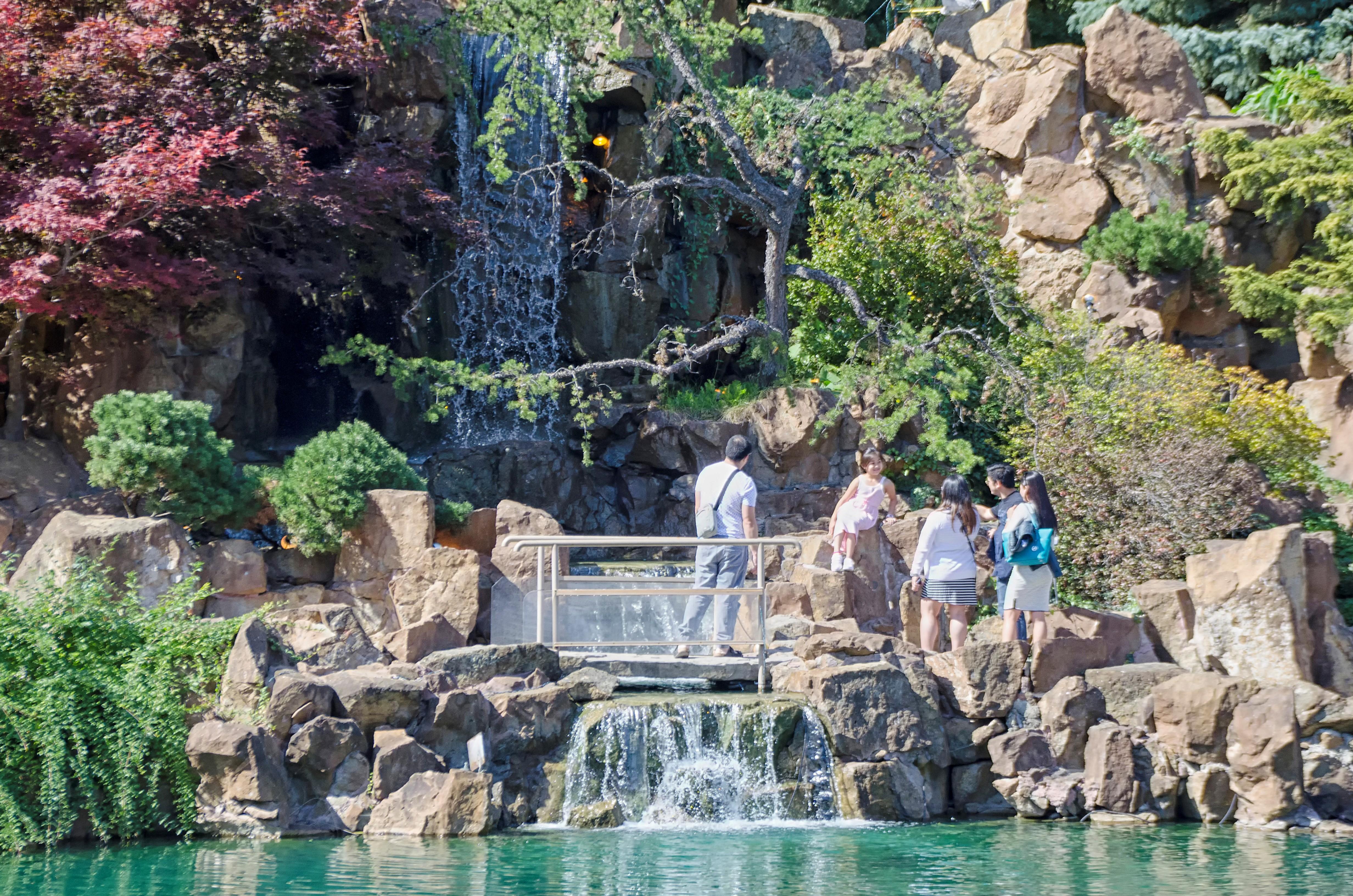 Fotos gratis ciudad vacaciones estanque piscina for Piscina ciudad jardin sevilla
