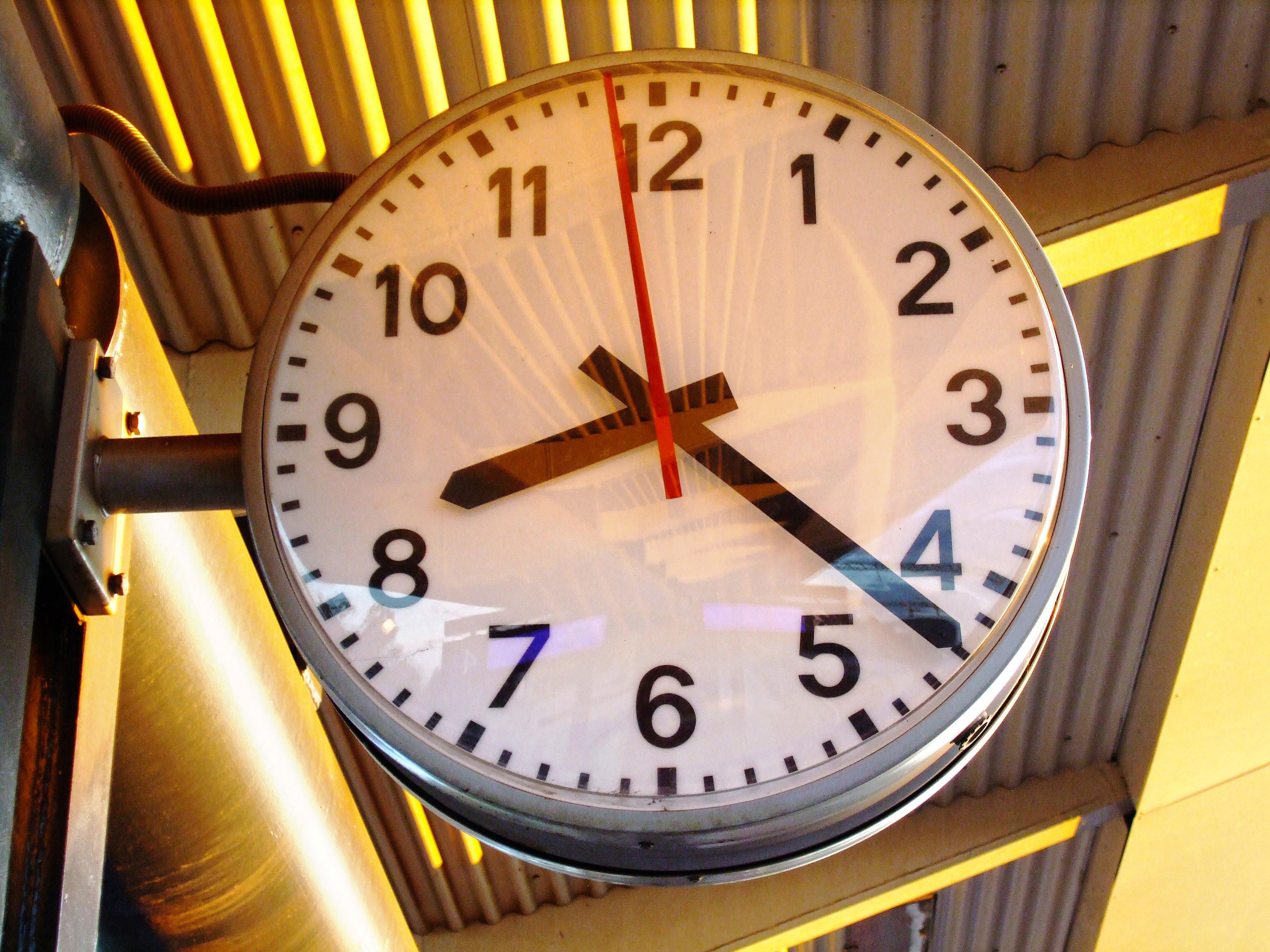 Картинка часов и времени