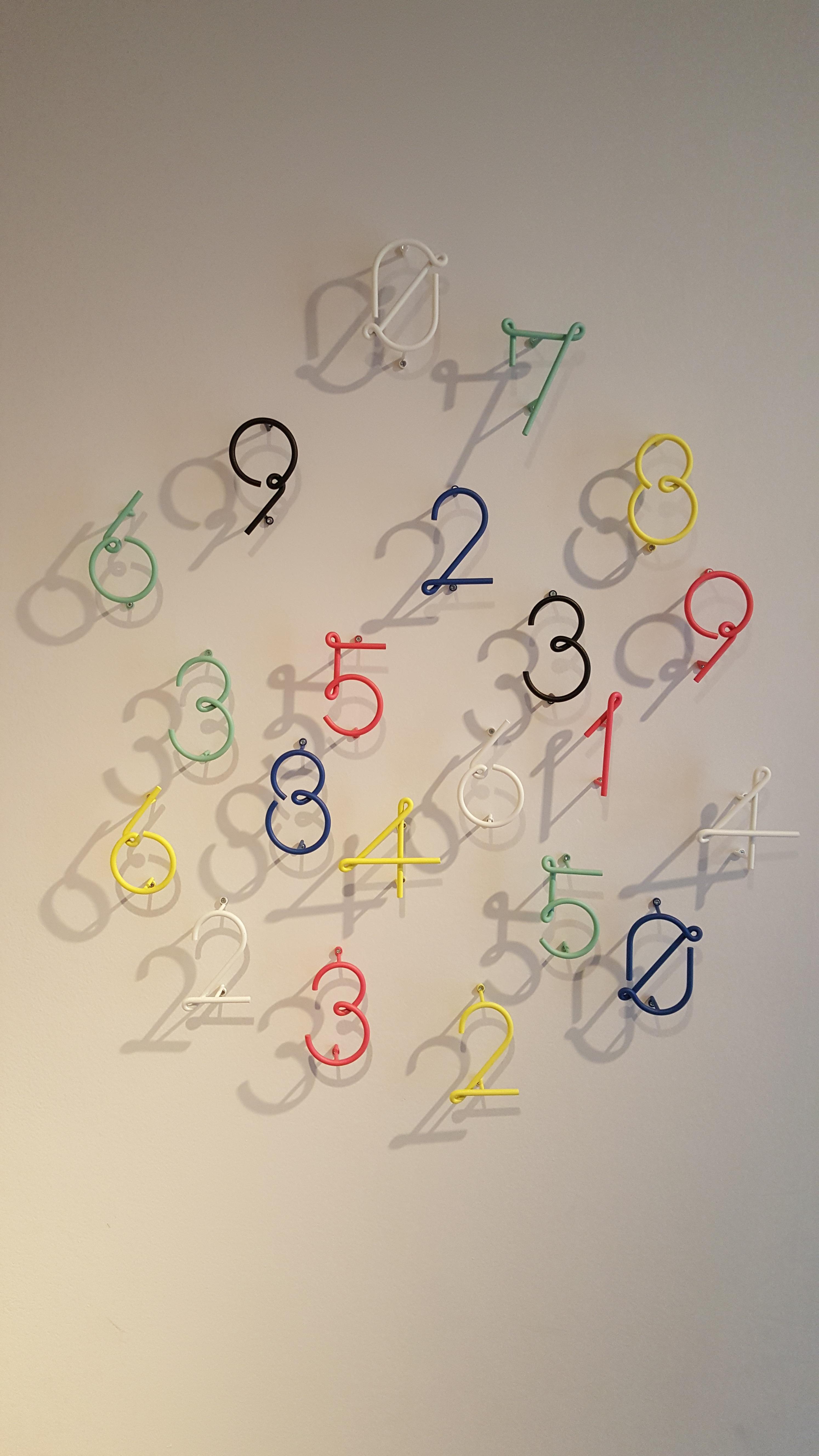 Gambar Jam Jumlah Dinding Warna Bayangan Lingkaran Fon