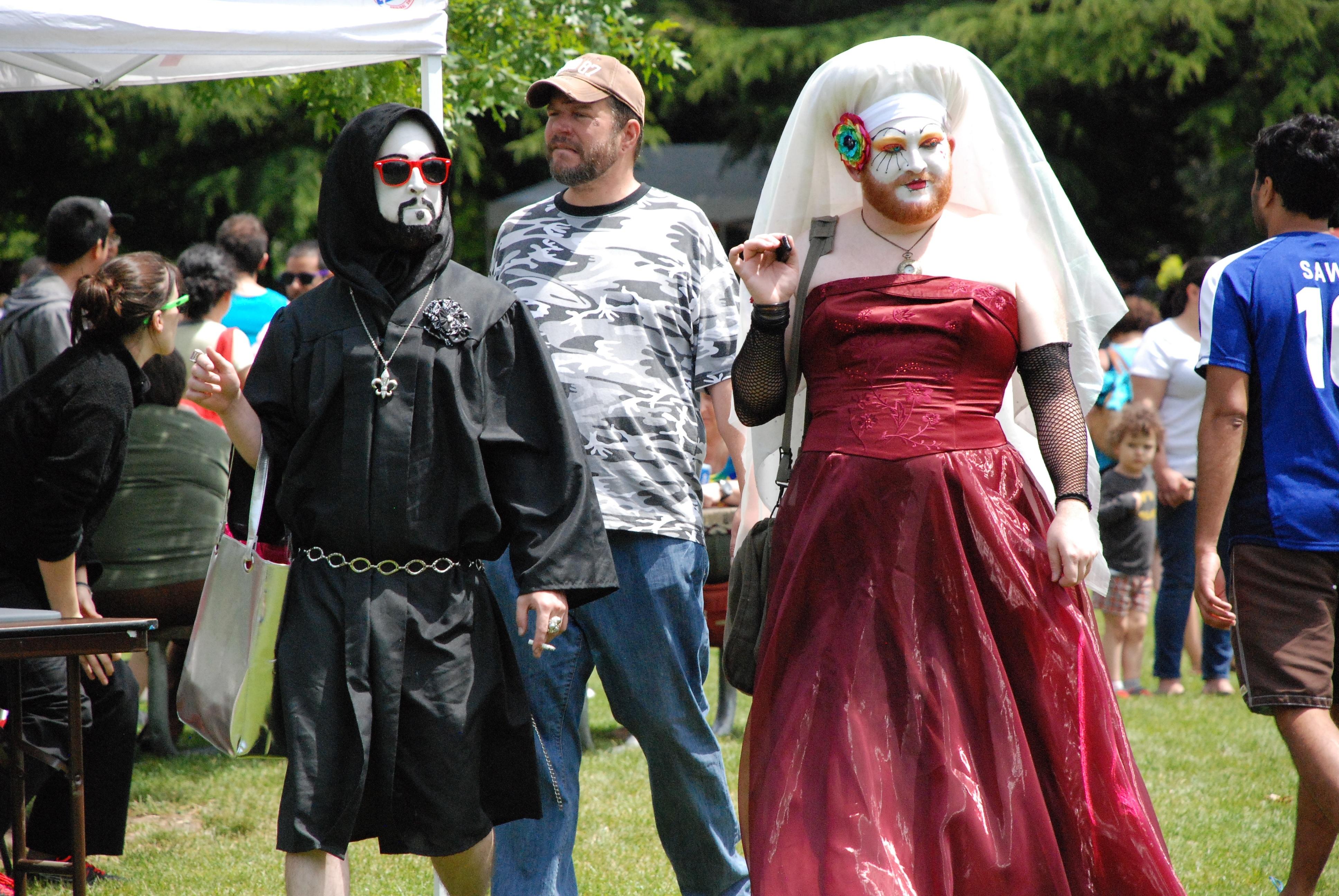 transvestiitti gay seuraa gay deitti