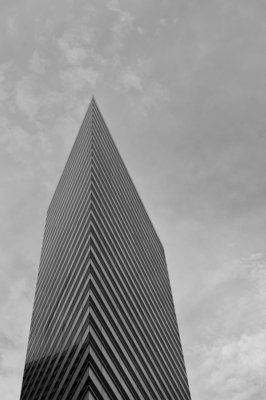 Fotos gratis nube en blanco y negro arquitectura for Arquitectura en linea gratis