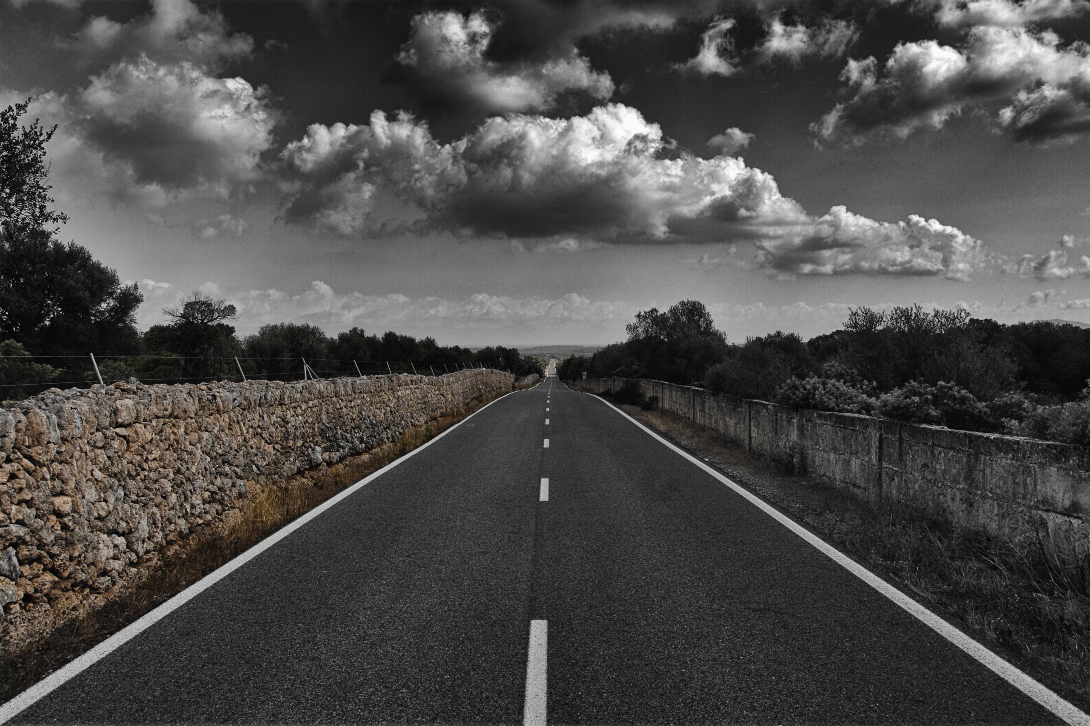 fotos gratis nube en blanco y negro la carretera ver autopista asfalto oscuridad. Black Bedroom Furniture Sets. Home Design Ideas