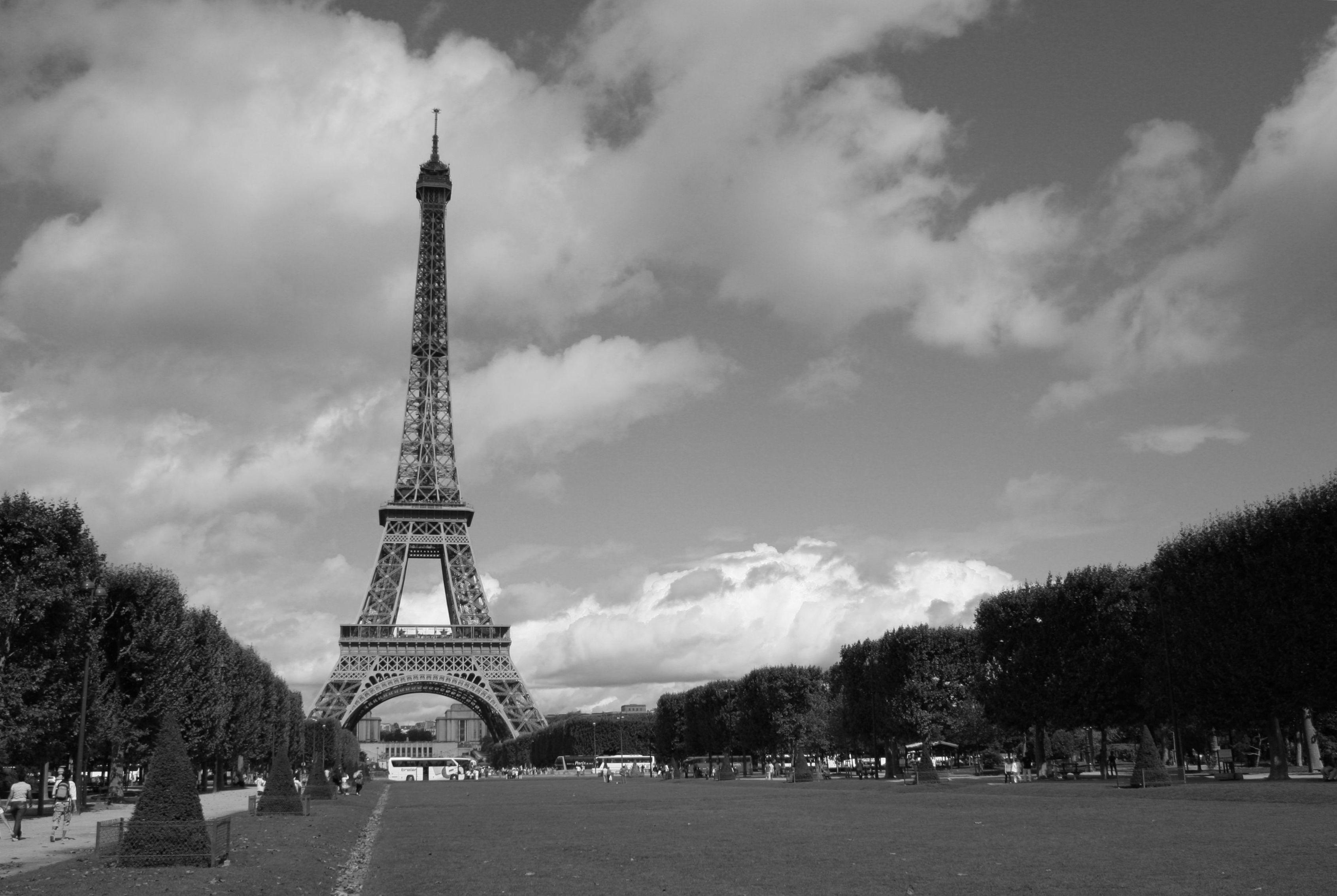 Images gratuites nuage noir et blanc ciel paris for Paris paysage
