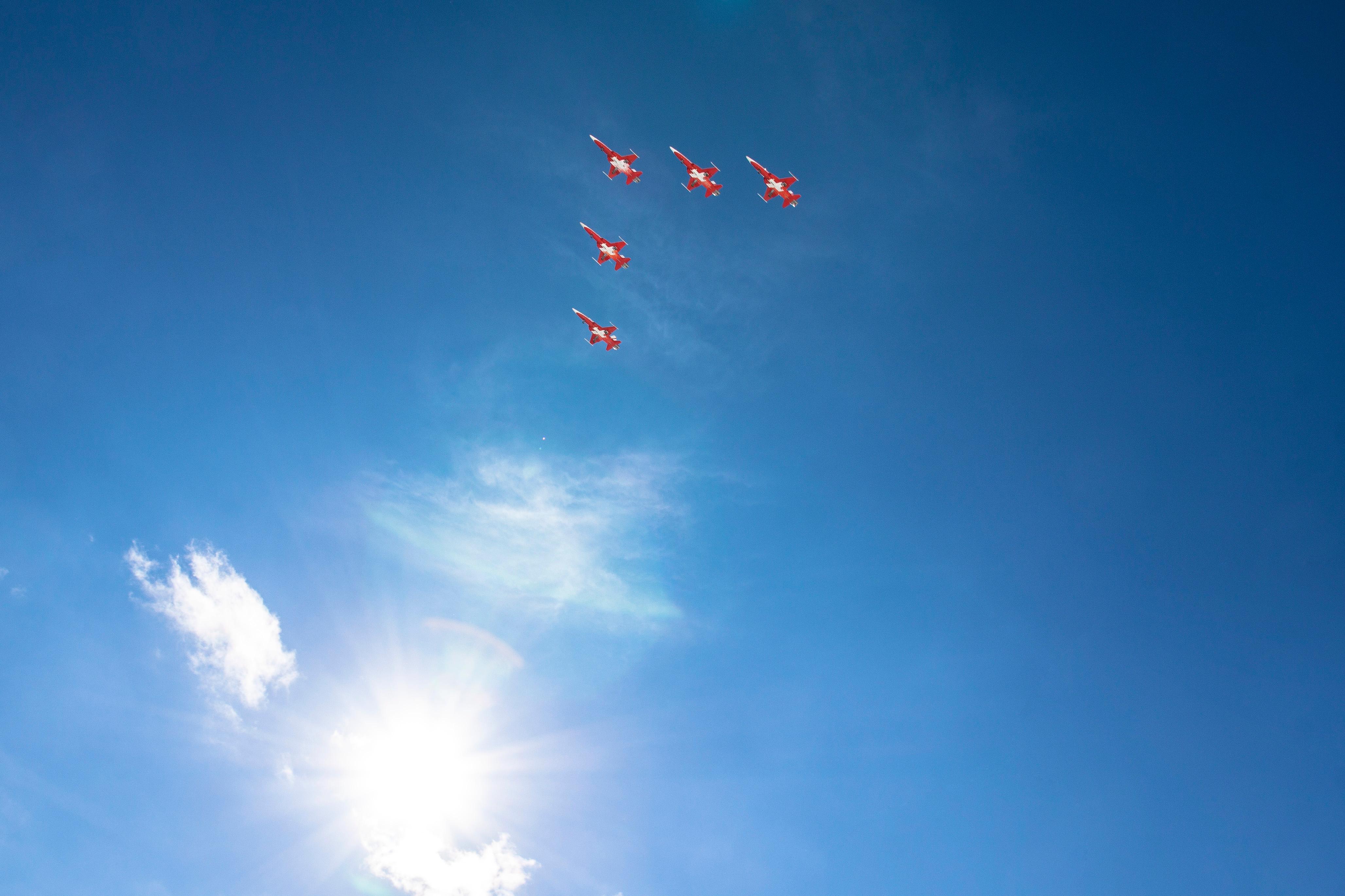 Images Gratuites Nuage Ciel Bleu Jouet Parachute Des Sports