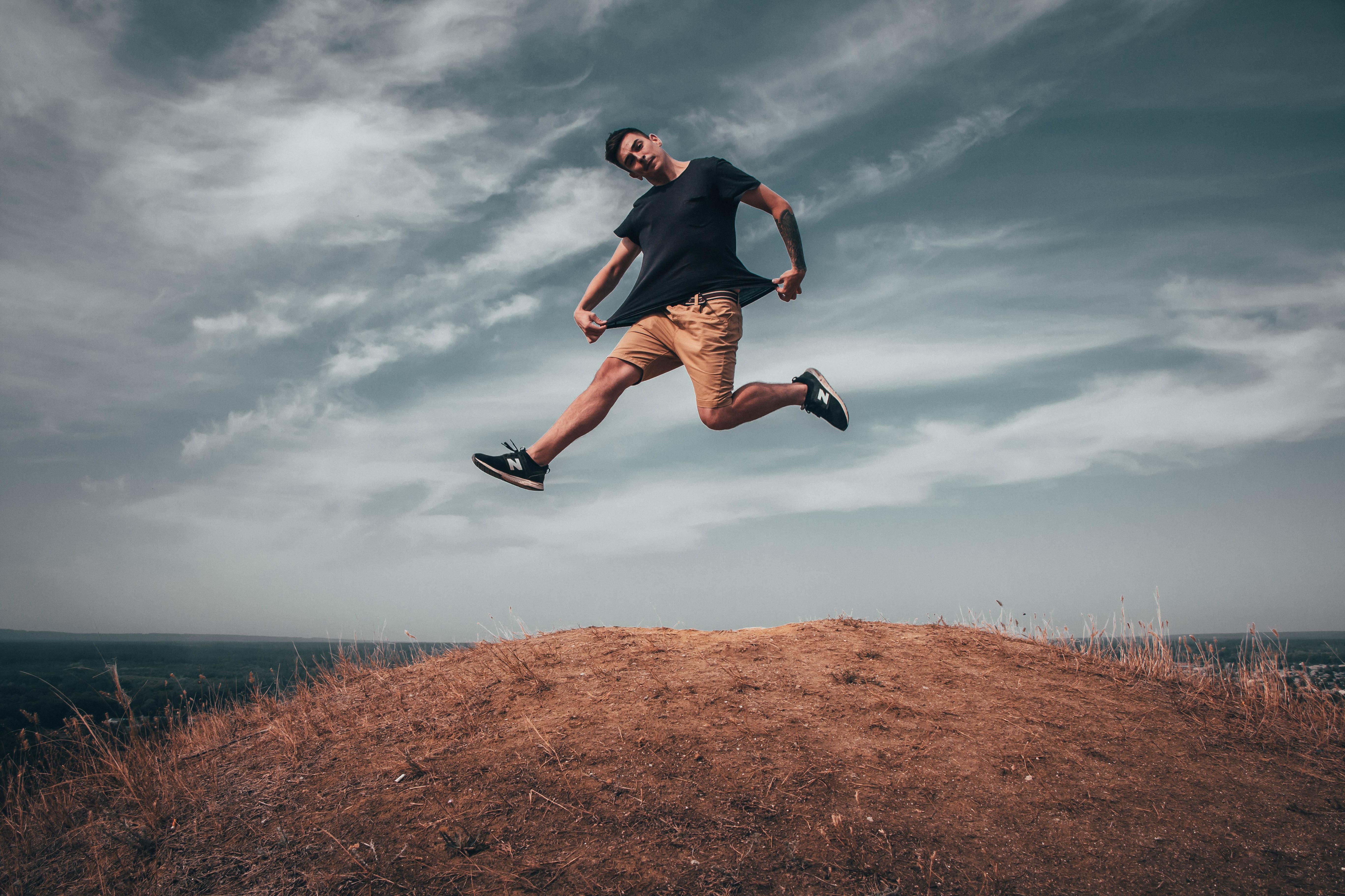 как красиво сфотографироваться в прыжке нем