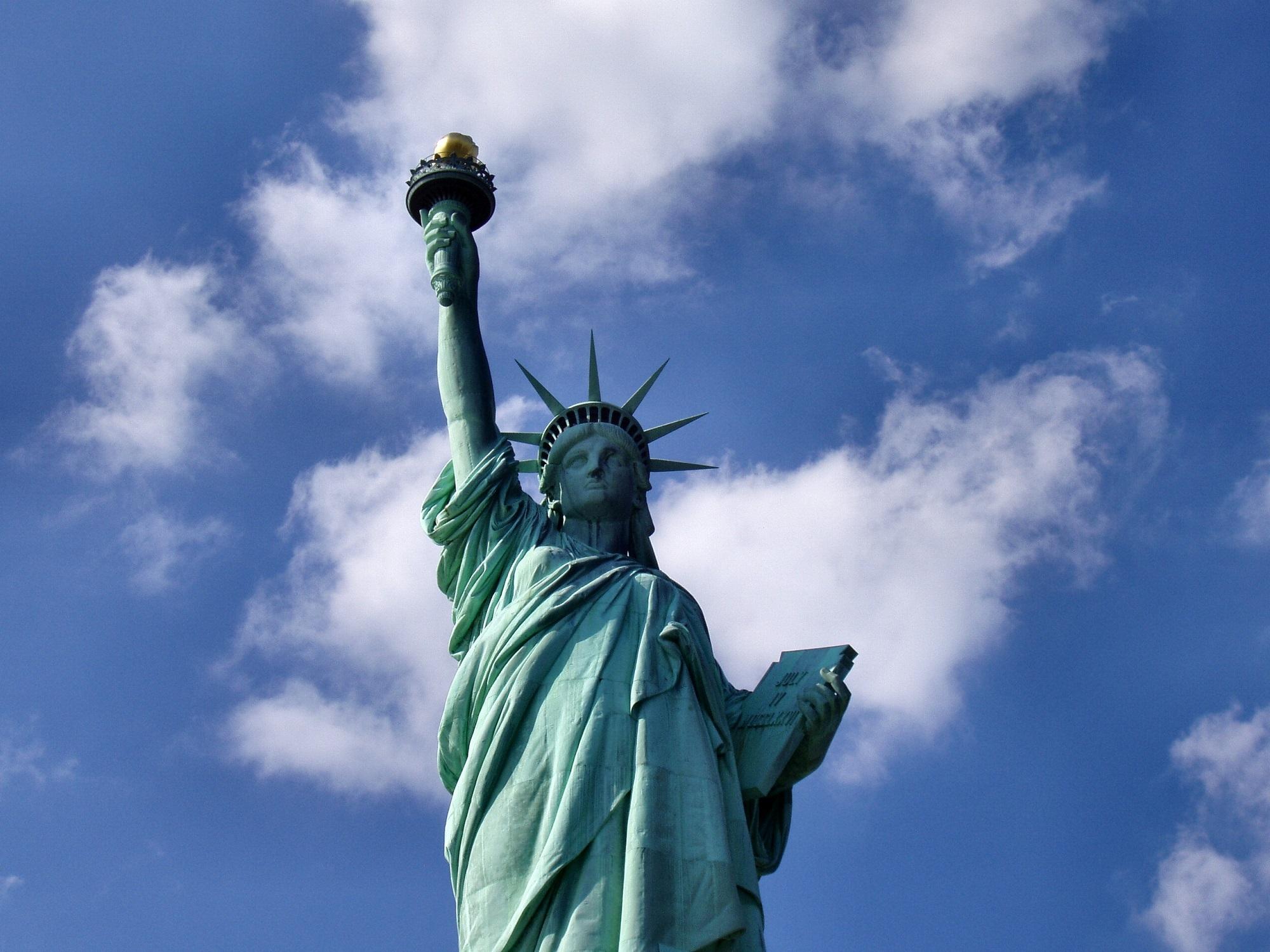 слон картинки американские памятники этом