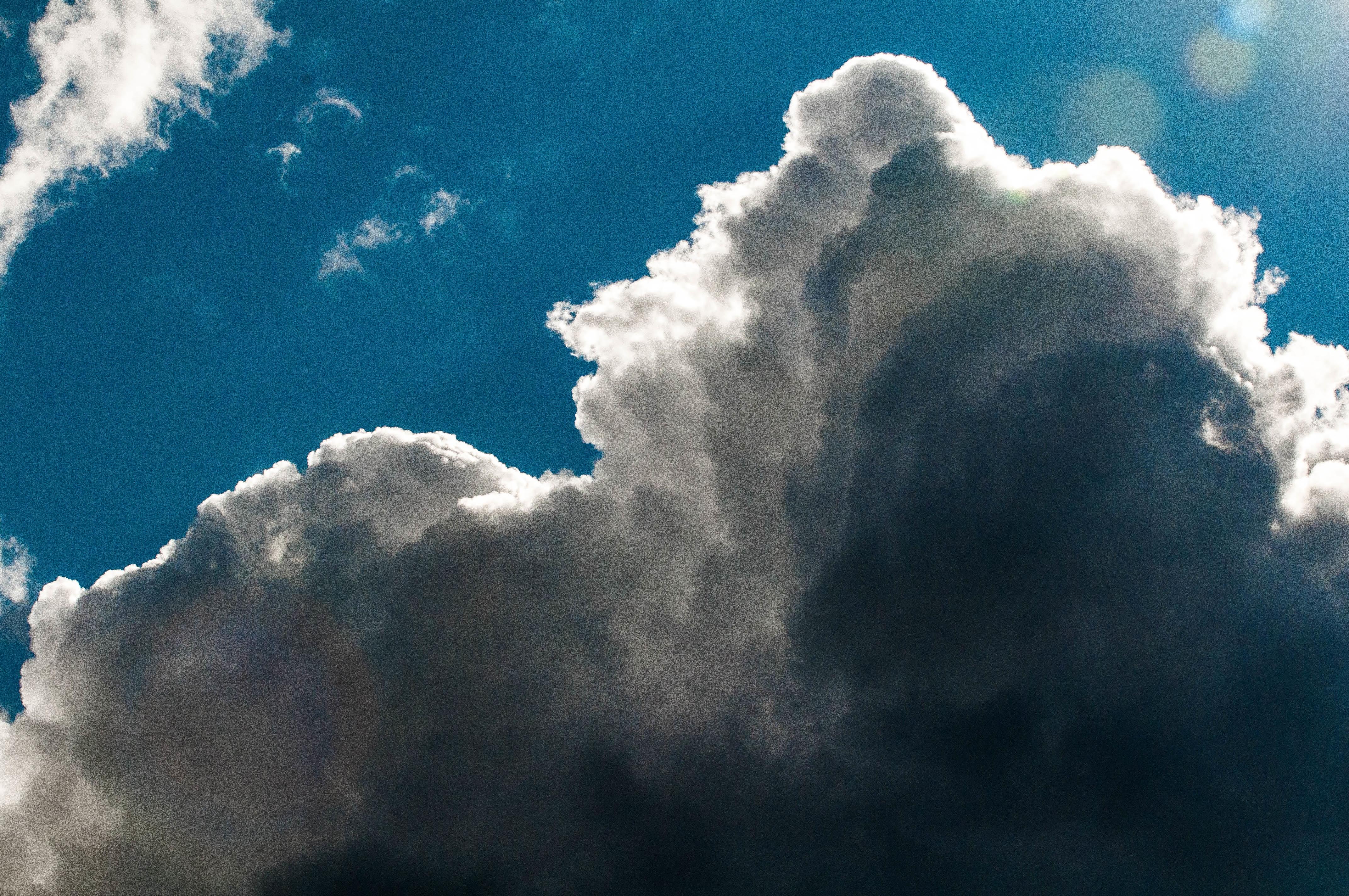 как наложить облака на фото особенность пальто