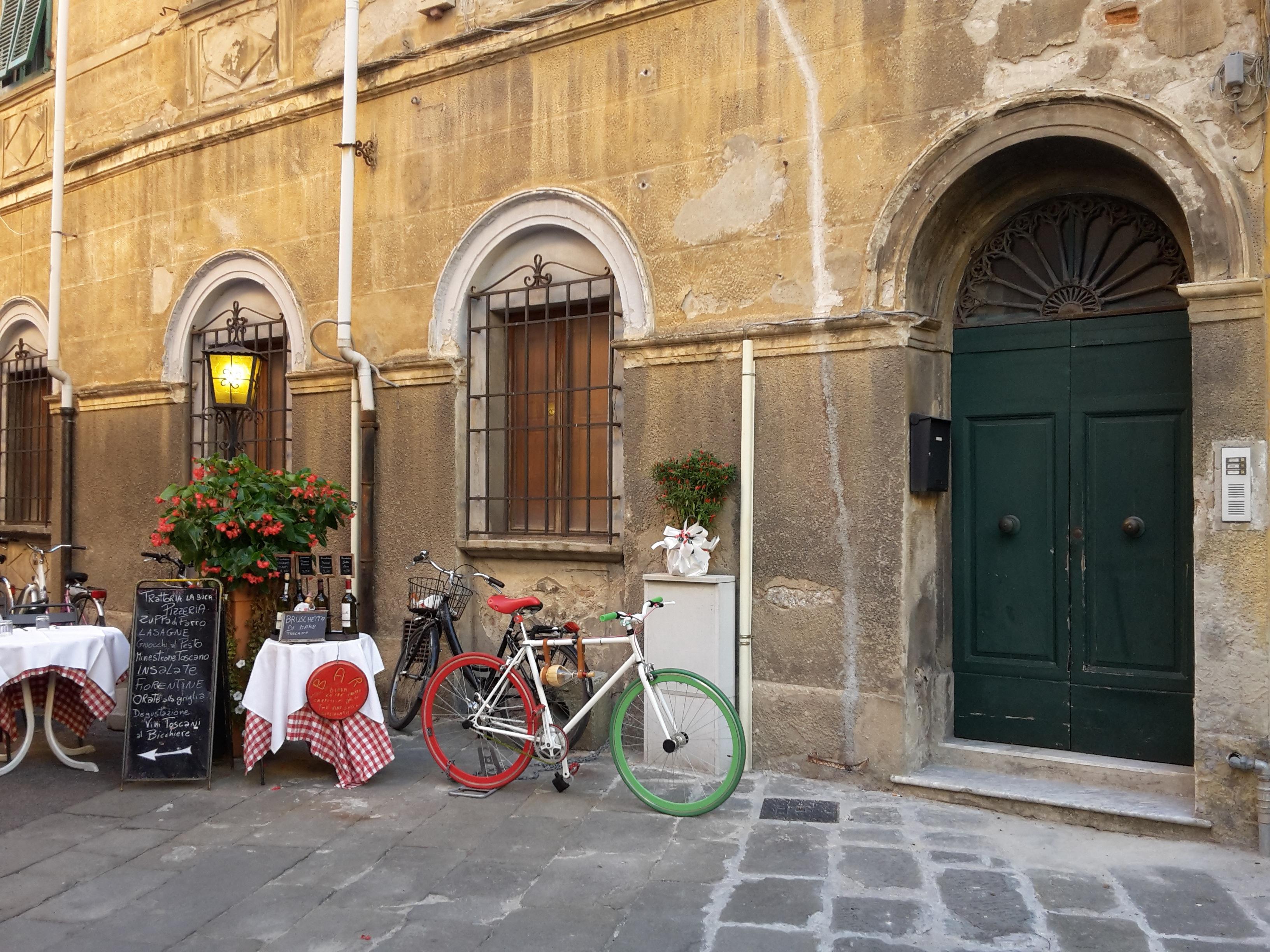 Images gratuites caf architecture route rue ville - Restaurant porte d italie sarreguemines ...
