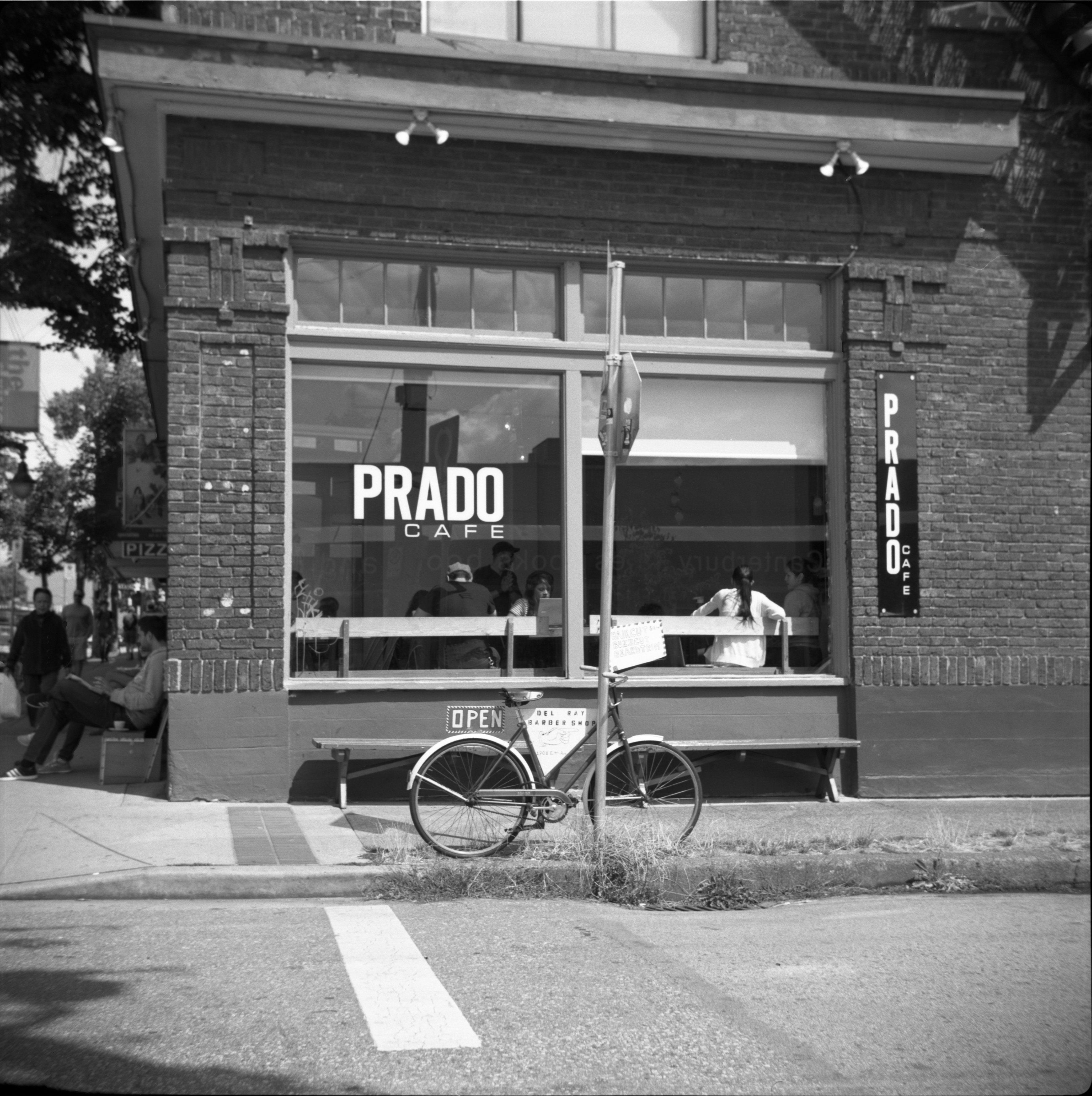Gambar Kedai Kopi Hitam Putih Gambar Hitam Dan Putih Jalan Sepeda Satu Warna Infrastruktur