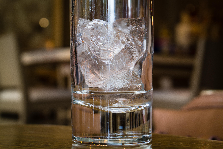 Как сделать лёд в бутылке 25