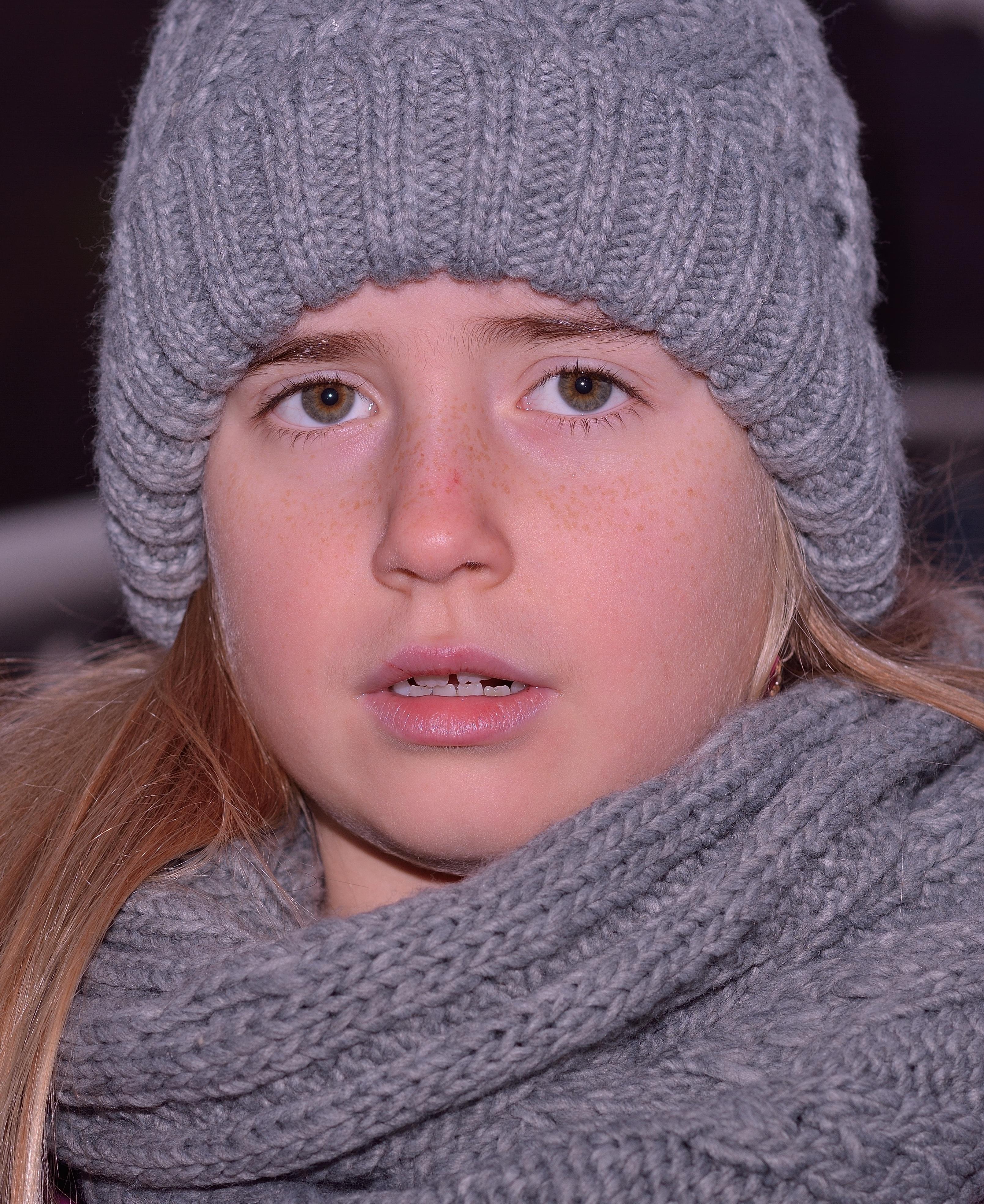 Kostenlose foto : kalt, Winter, Mädchen, Kind, Hut, Kleidung ...