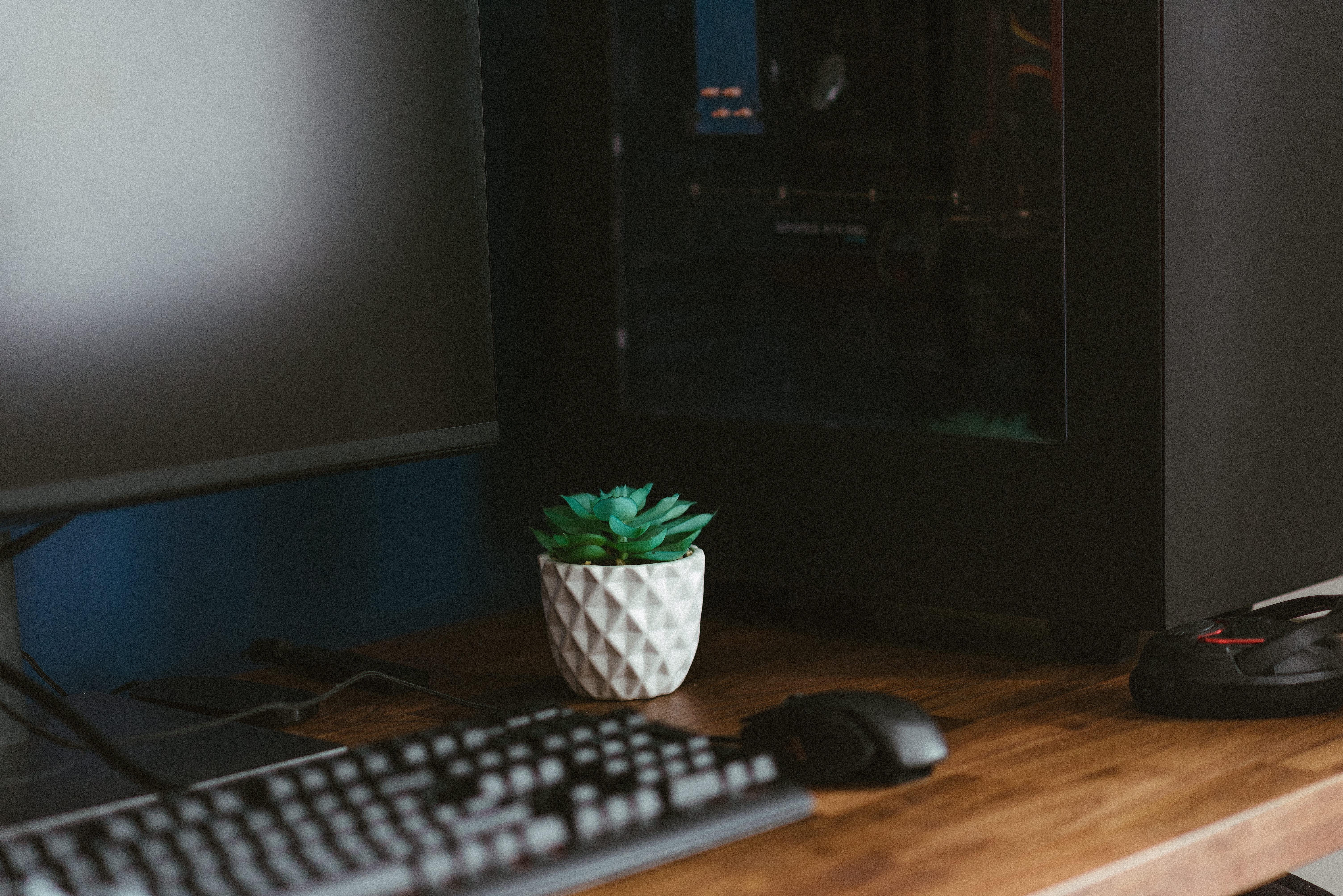 Images gratuites : ordinateur meubles maison bureau à domicile à