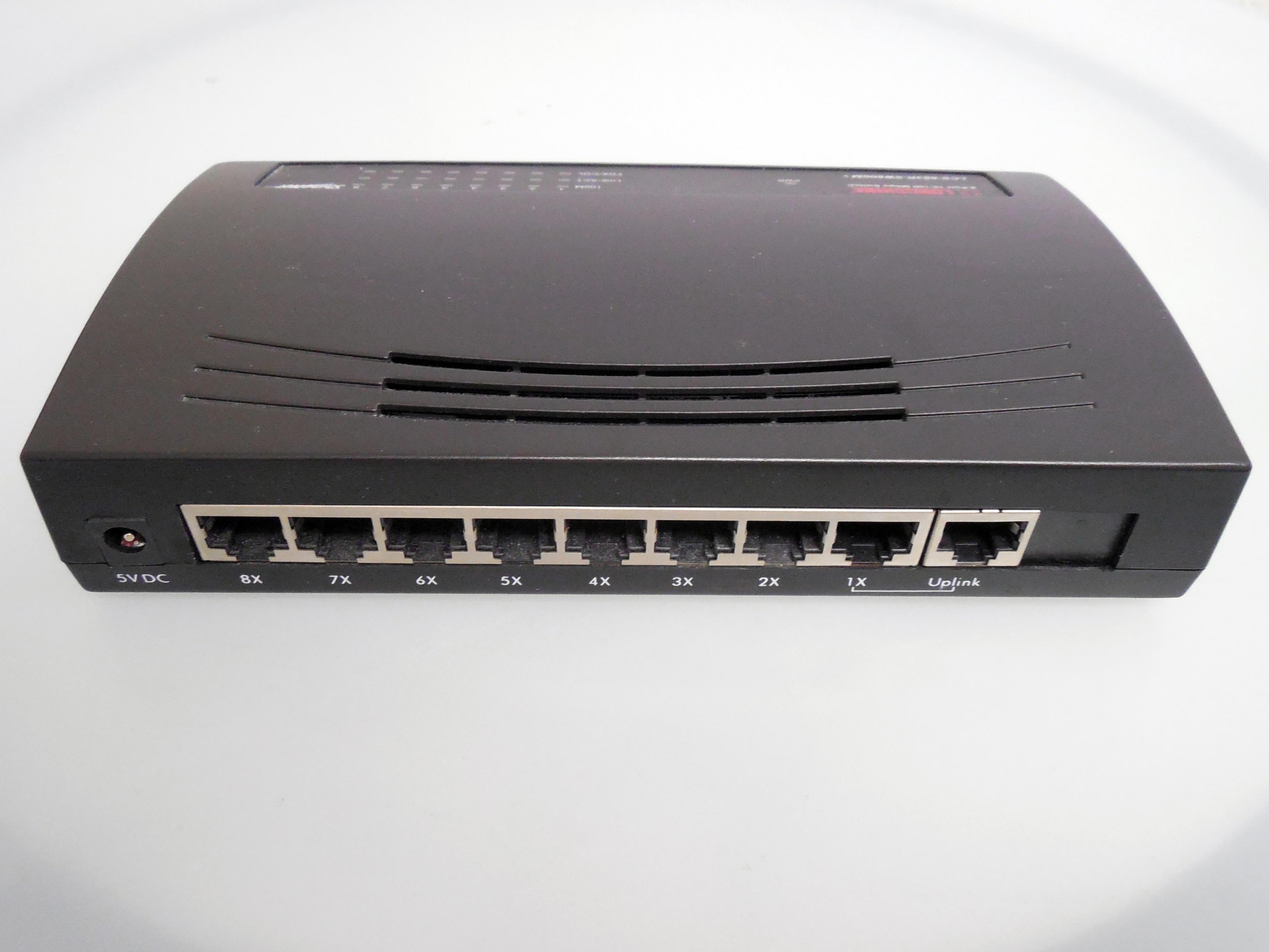 Gambar Teknologi Internet Kantor Alat Router Pc Administrasi