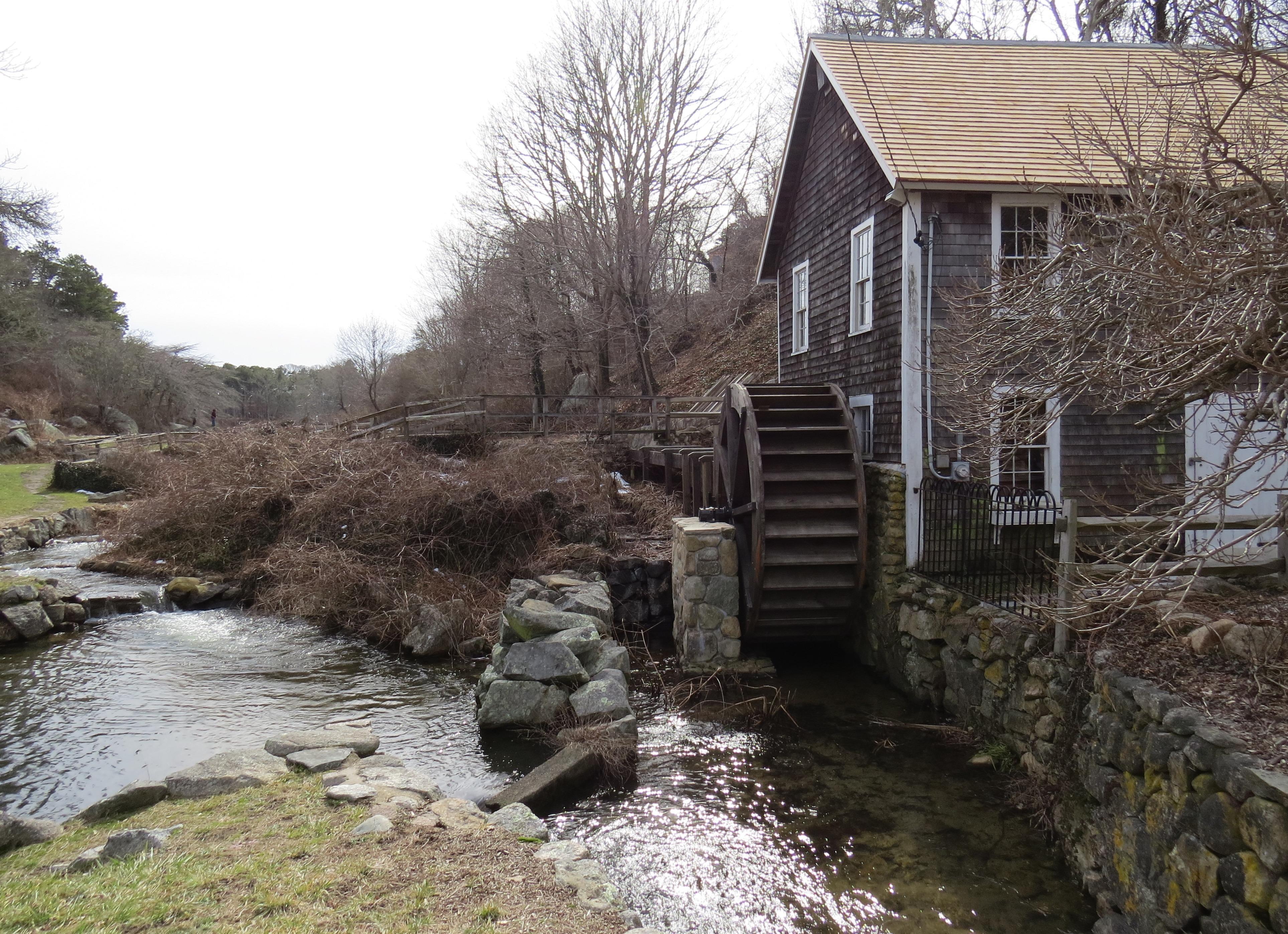 Parete Dacqua In Casa : Immagini belle campagna fienile casa parete stagno ruscello