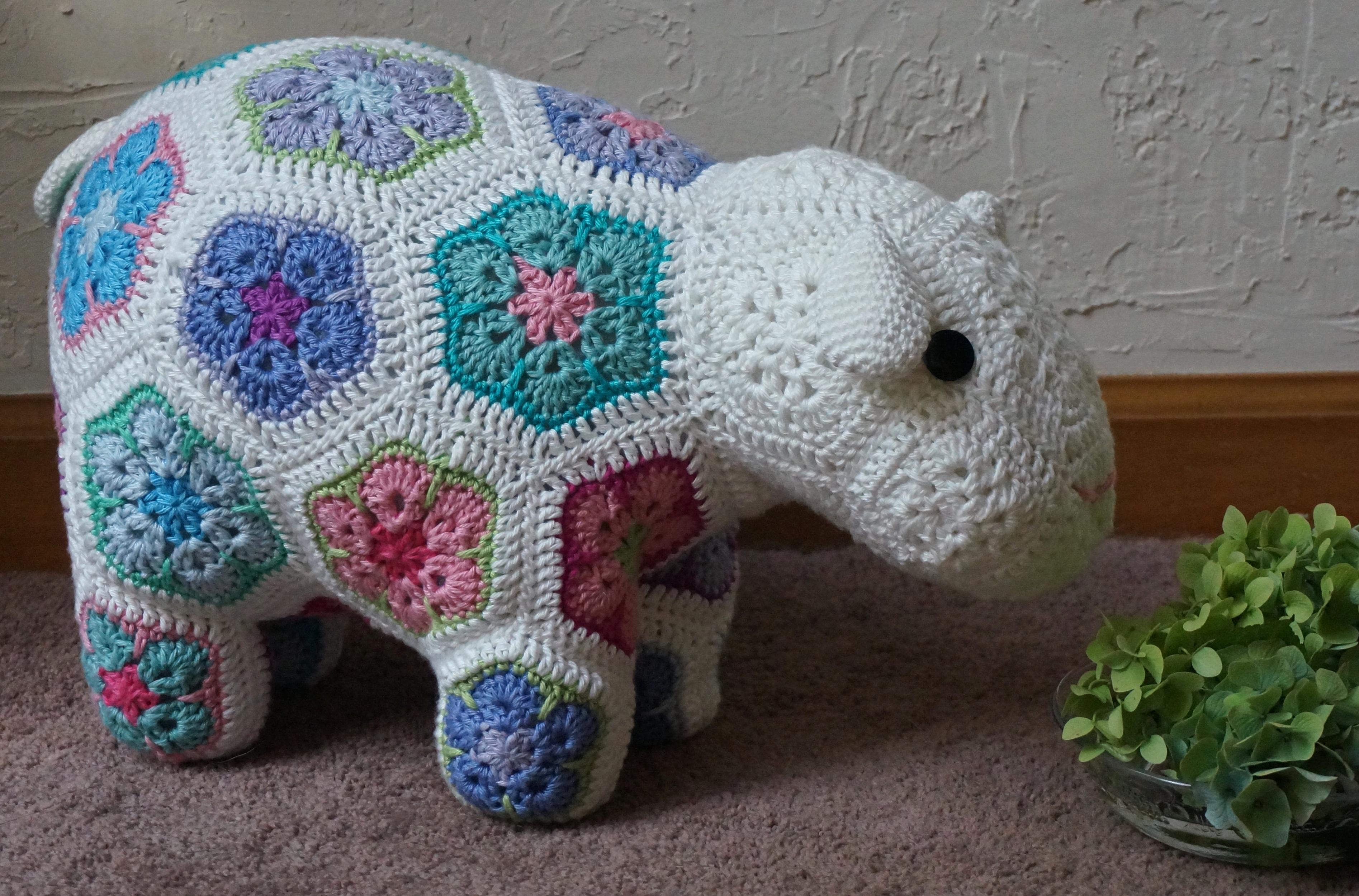 Fotos gratis : arte, vistoso, juguete, hilo, elefante, tejer, textil ...