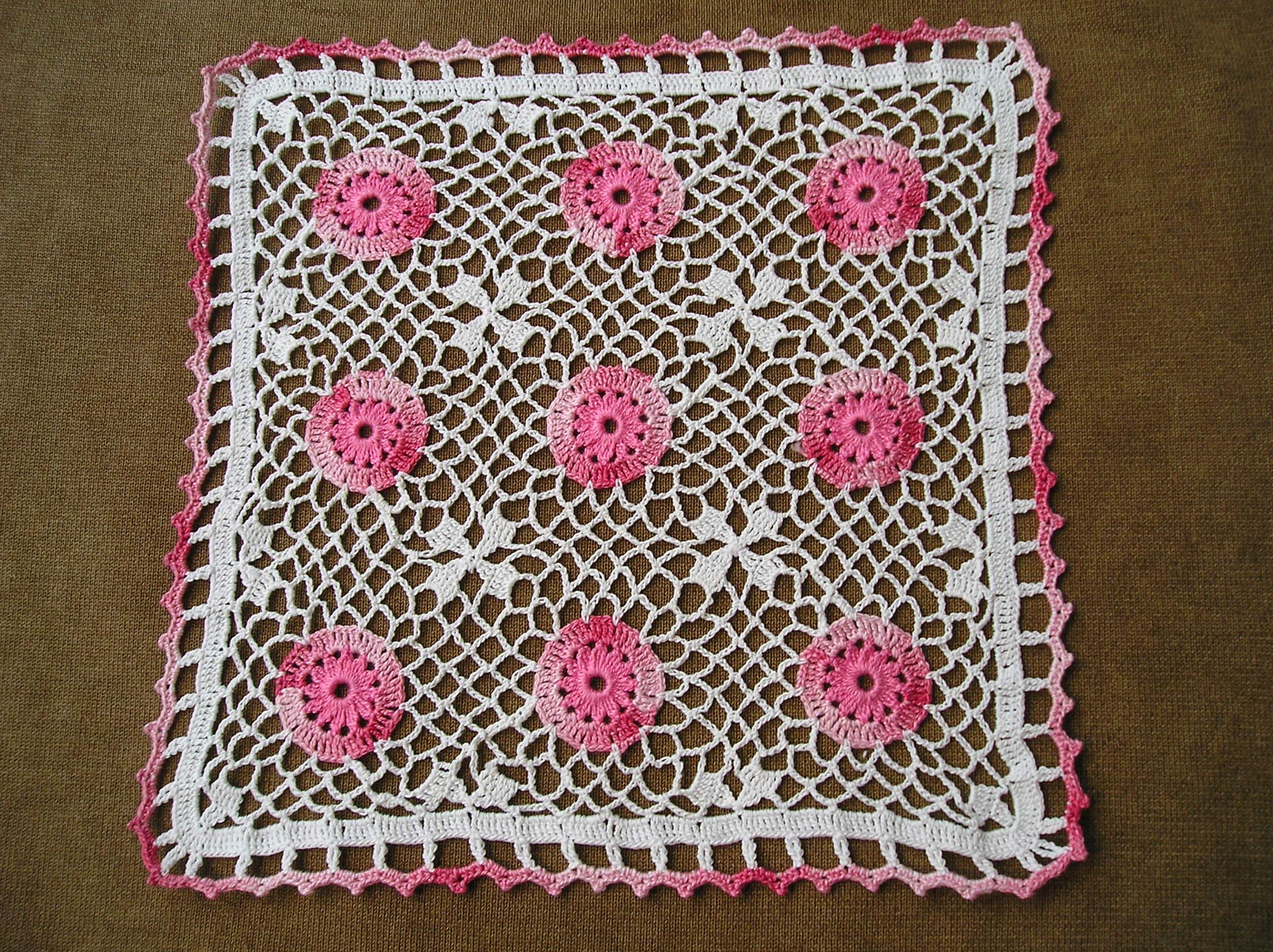 Fotos gratis : Ganchillo, rosado, tejer, mantelito, textil, costura ...