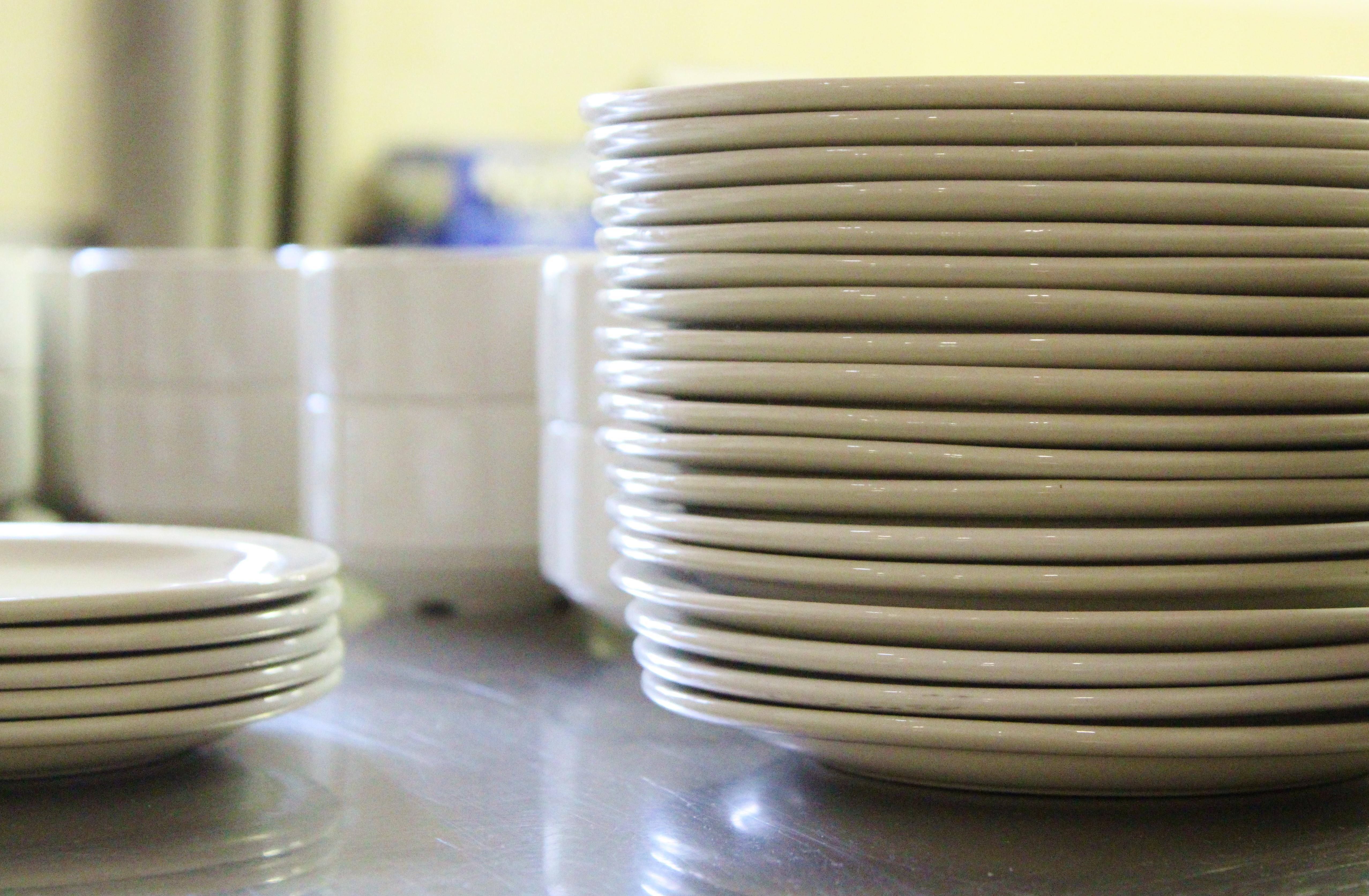 keramik teller geschirr keramik teller tasse antik geschirr vase krug kanne knnchen in leipzig. Black Bedroom Furniture Sets. Home Design Ideas
