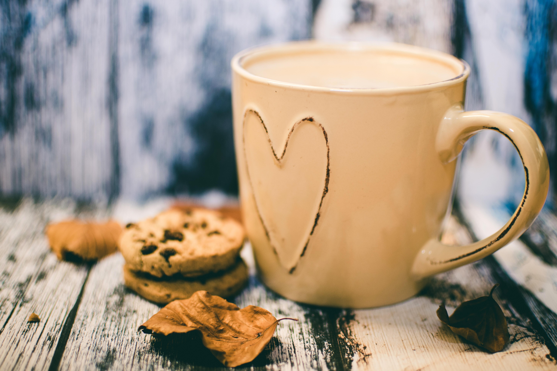 картинка утреннего теплого кофе сердечно поздравляю