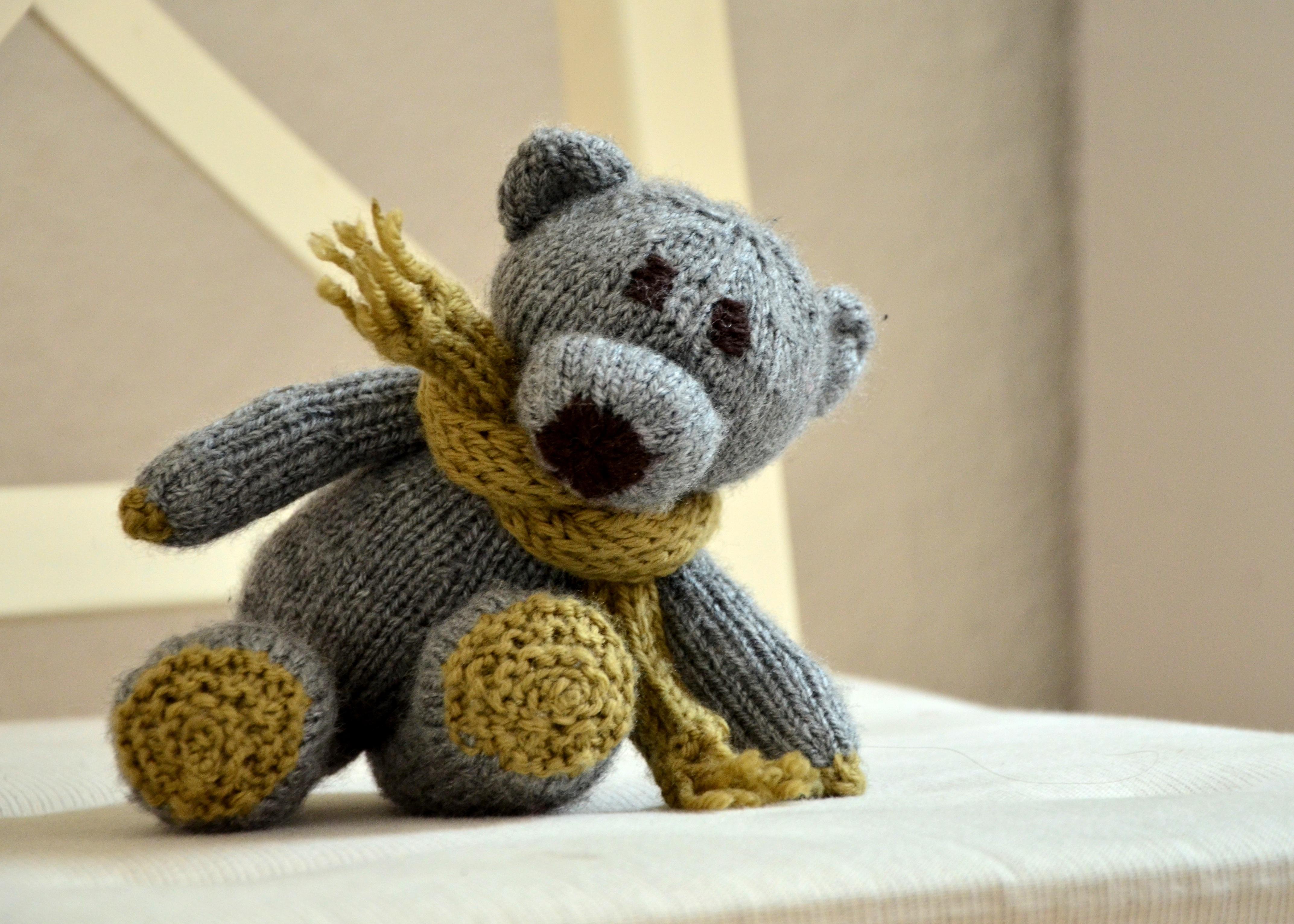 Fotos gratis : linda, tejer, juguete, lana, material, oso de peluche ...