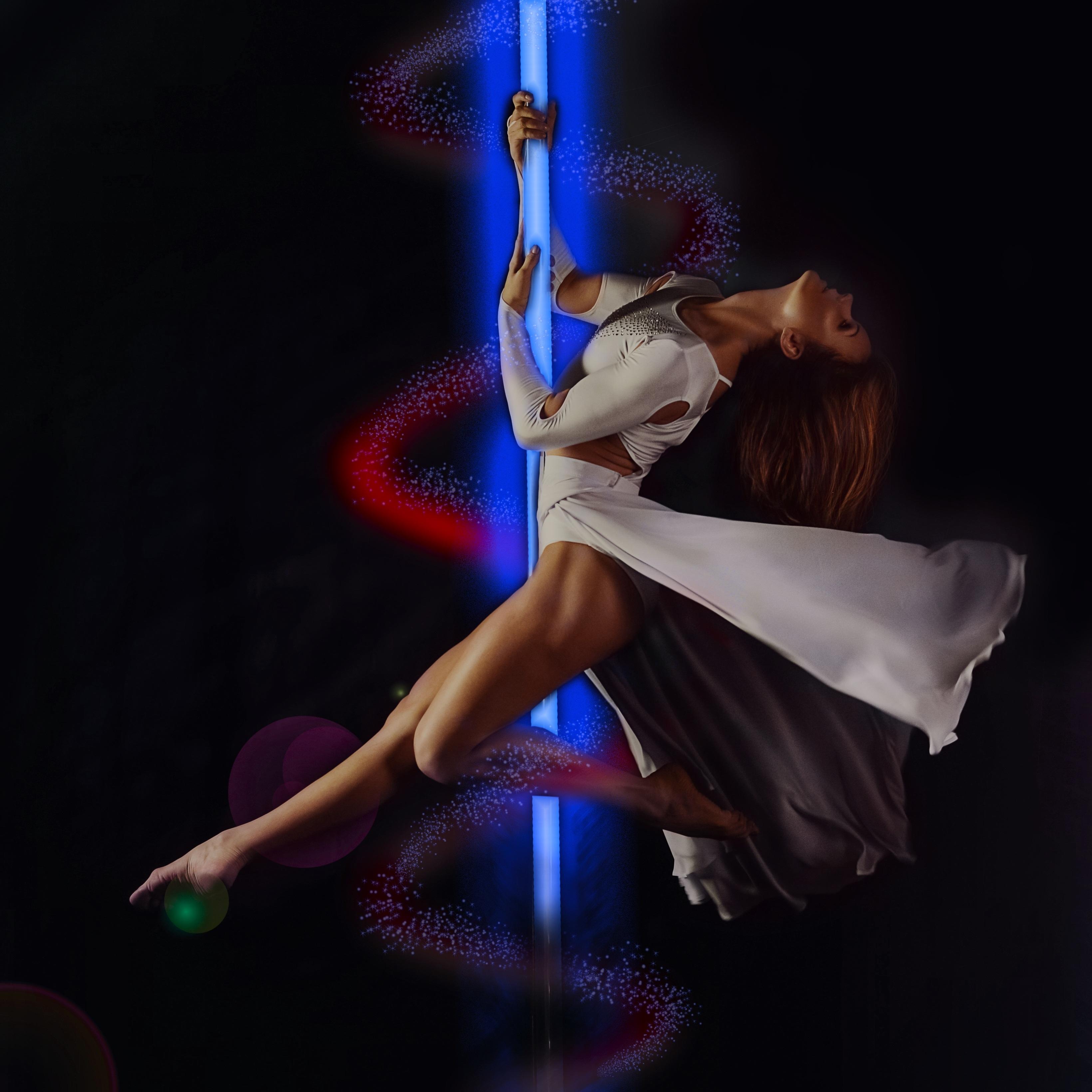 Erotic theatre and dance pics 299