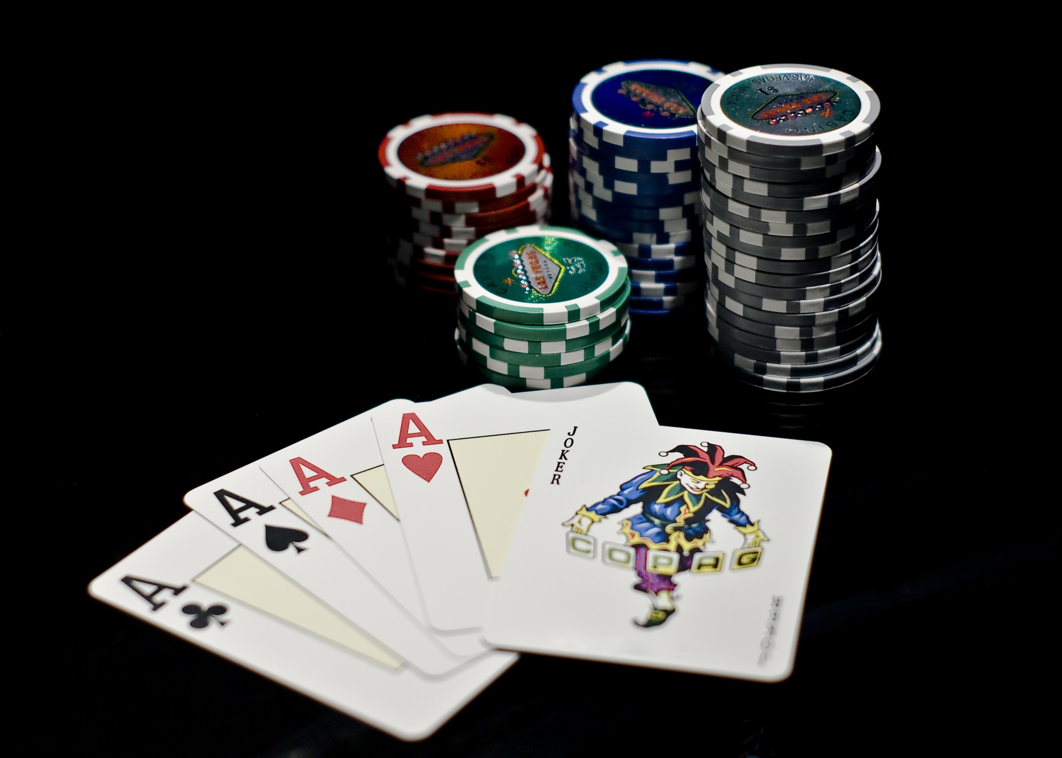 Казино карточная игра онлайн казино рояль на реальные деньги