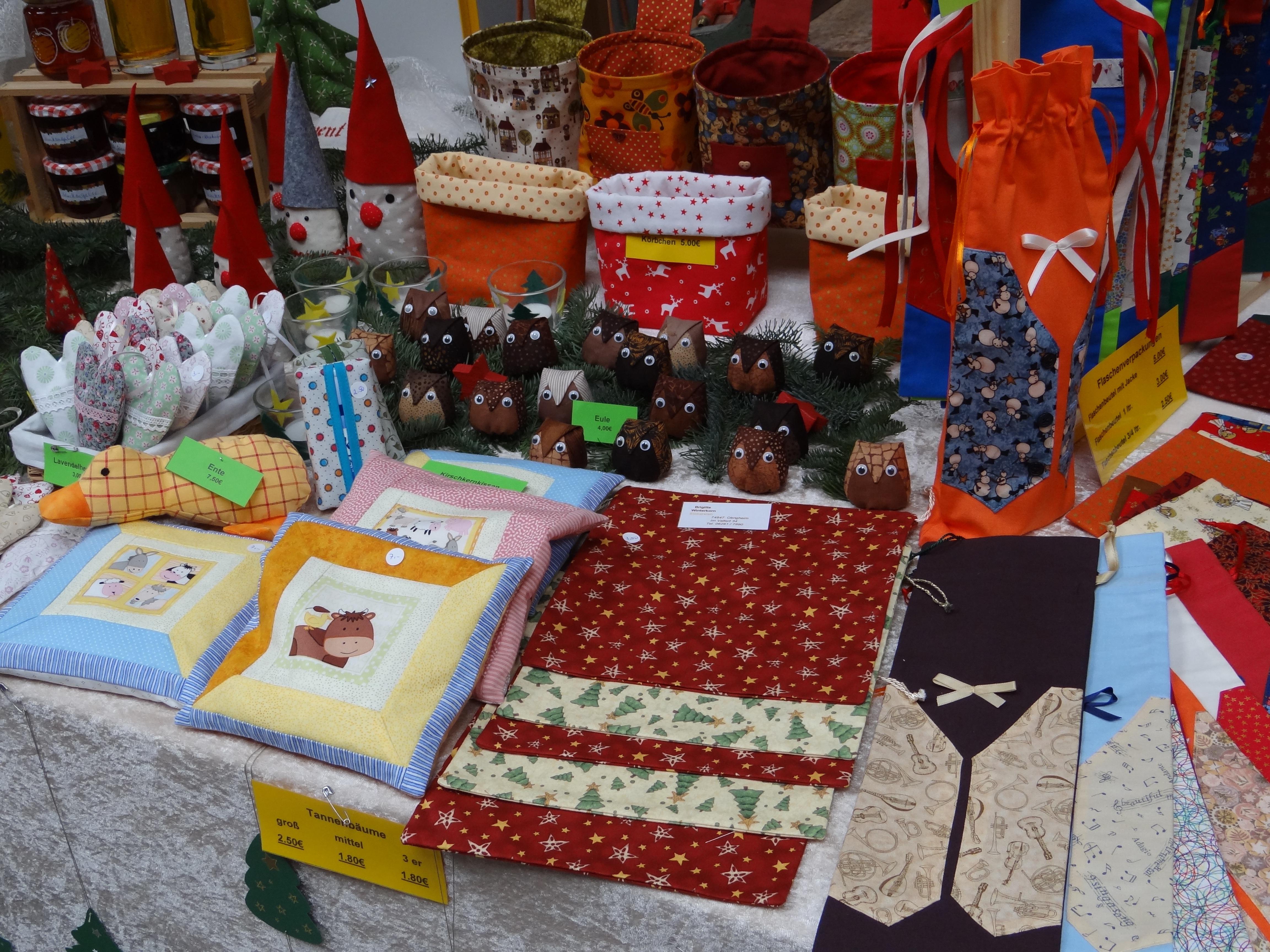 Fotos gratis decoraci n bazar mercado navidad hecho - Adornos navidenos hechos en casa ...