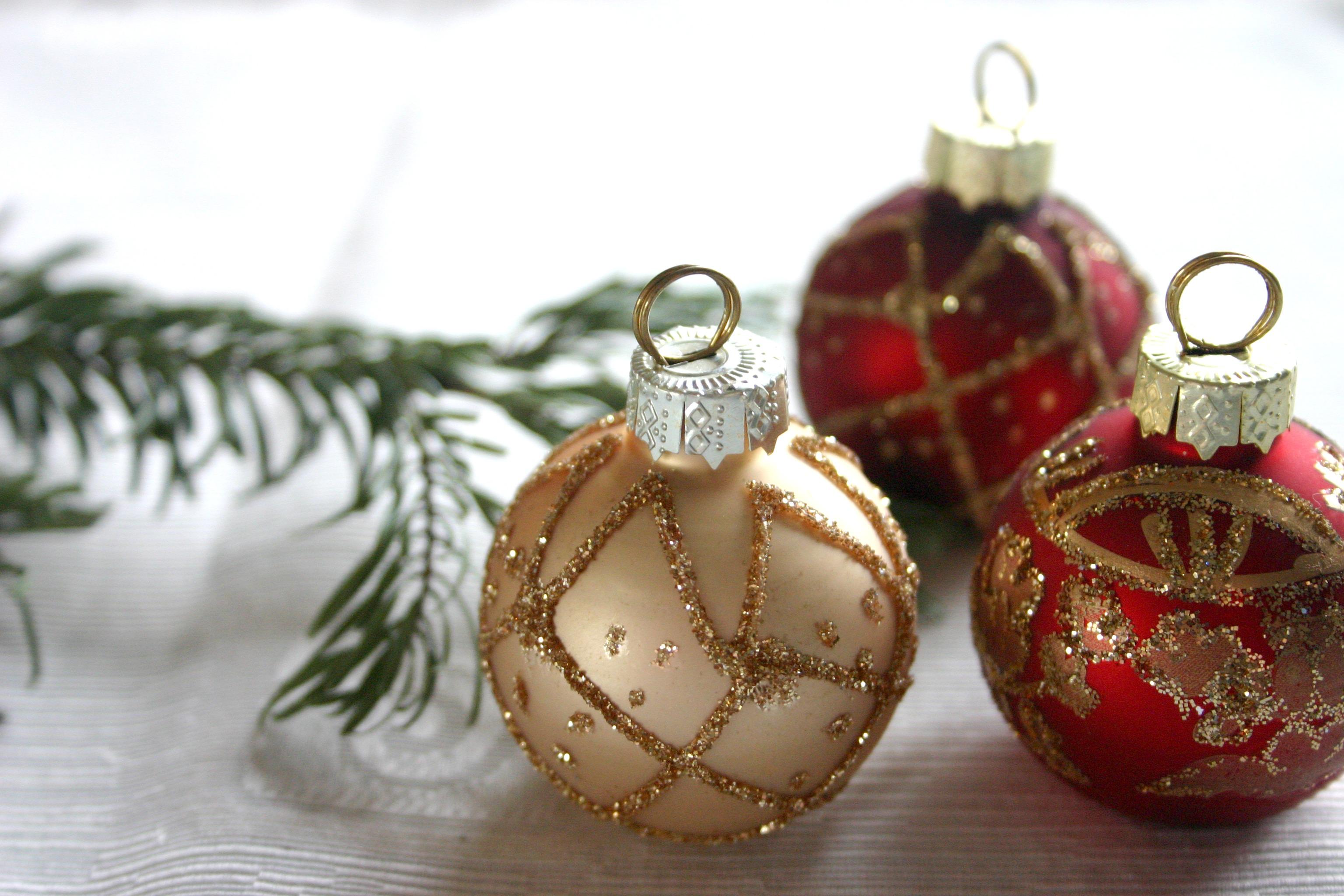 decoration red christmas decor christmas tree christmas ornament advent christmas decoration gold beige ball christmas balls