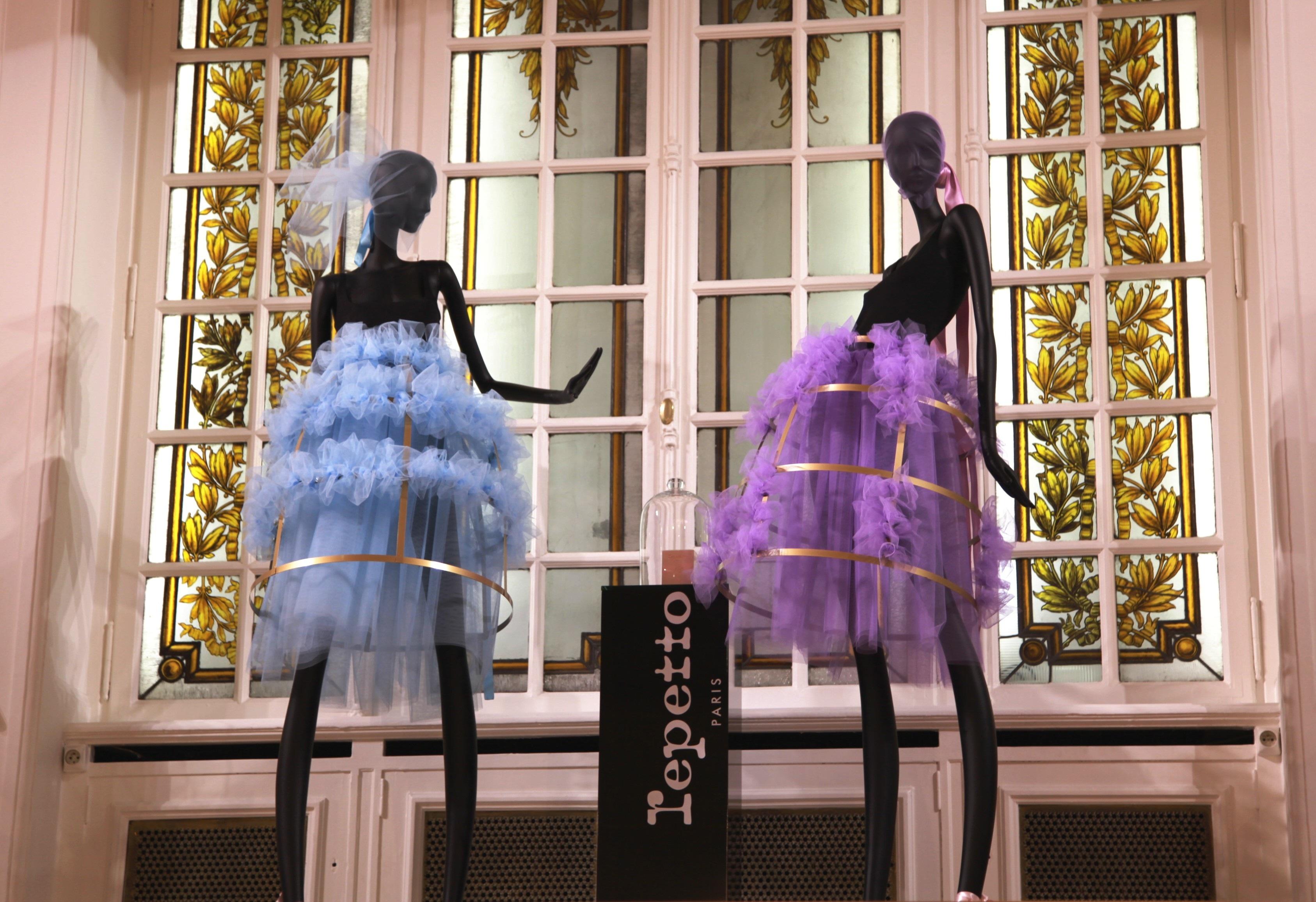 Free images decoration spring color fashion clothing for Boutique decoration interieur